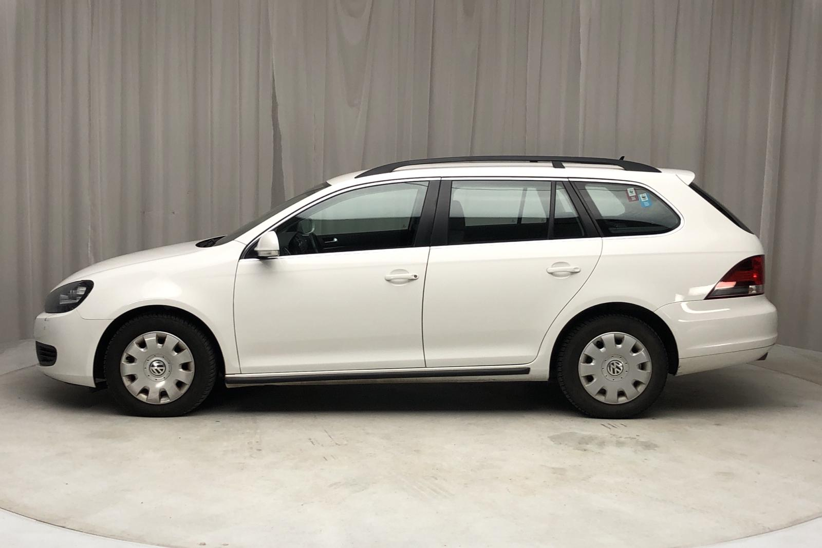 VW Golf VI 1.6 TDI BlueMotion Technology Variant (105hk) - 16 337 mil - Automat - vit - 2012