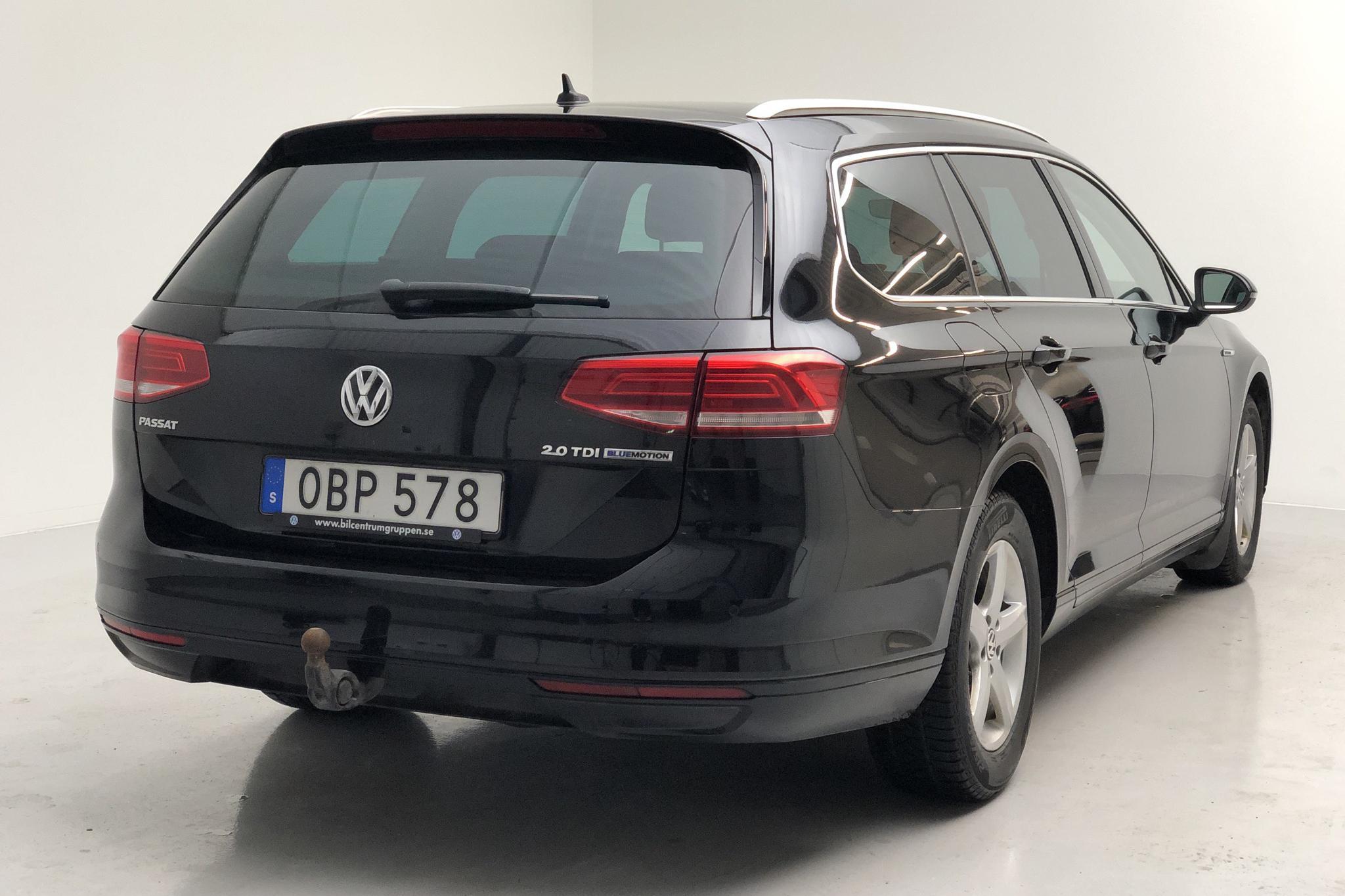 VW Passat 2.0 TDI Sportscombi (150hk) - 157 820 km - Manual - black - 2017