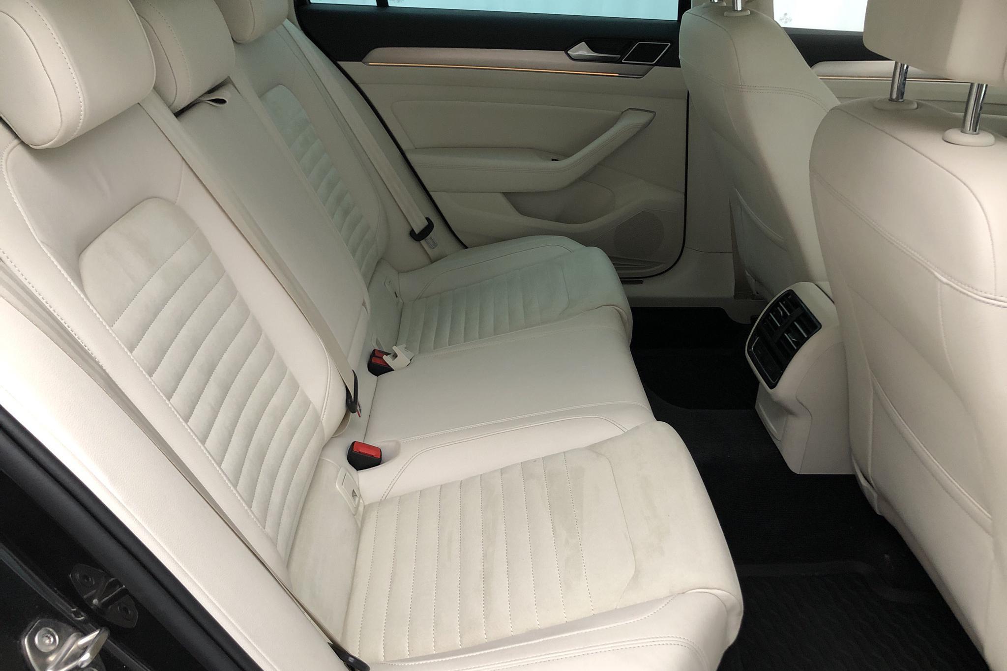 VW Passat 1.4 Plug-in-Hybrid Sportscombi (218hk) - 4 557 mil - Automat - Dark Grey - 2018