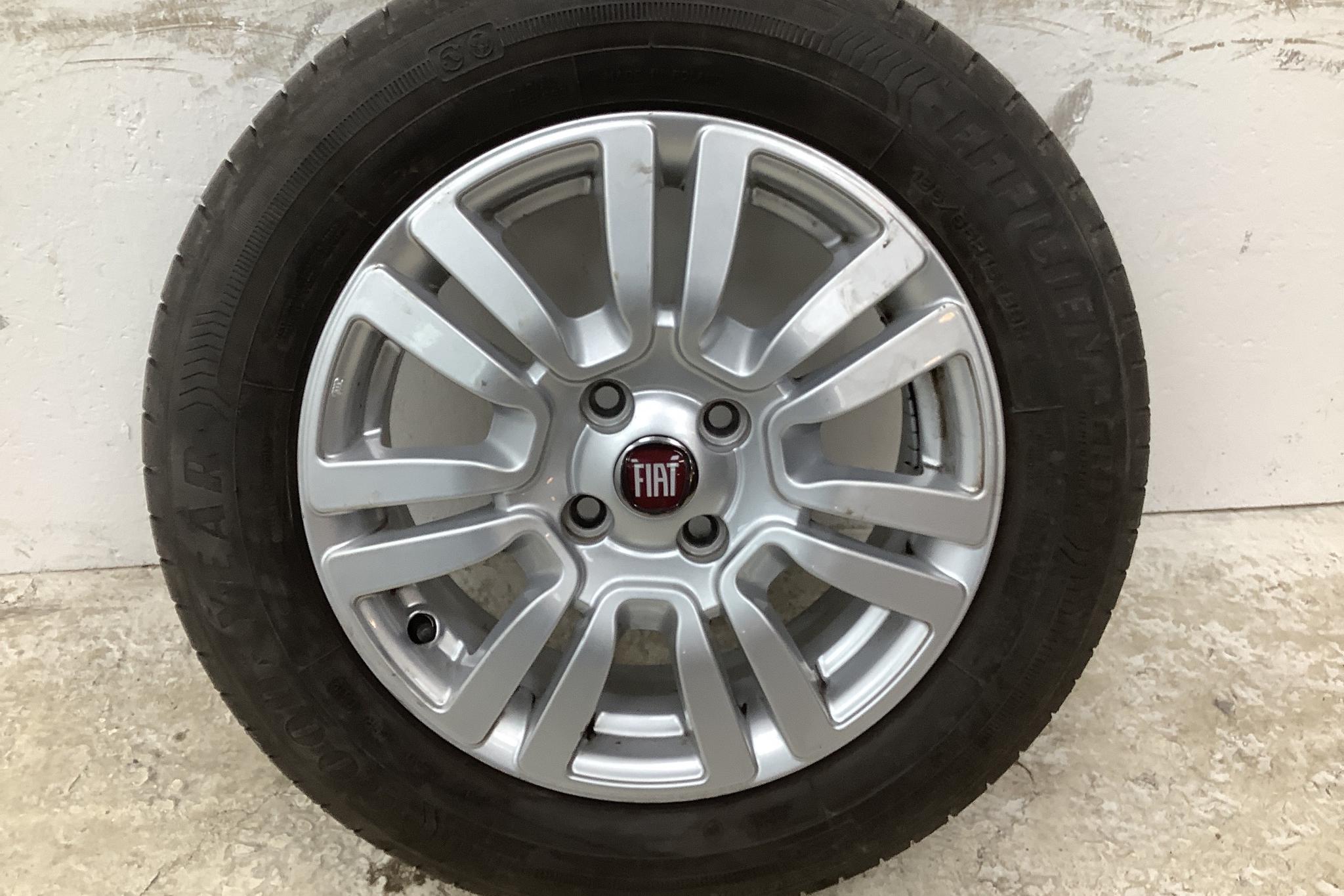 Fiat Punto 1.4 Natural Power 5dr (70hk) - 3 063 mil - Manuell - svart - 2014