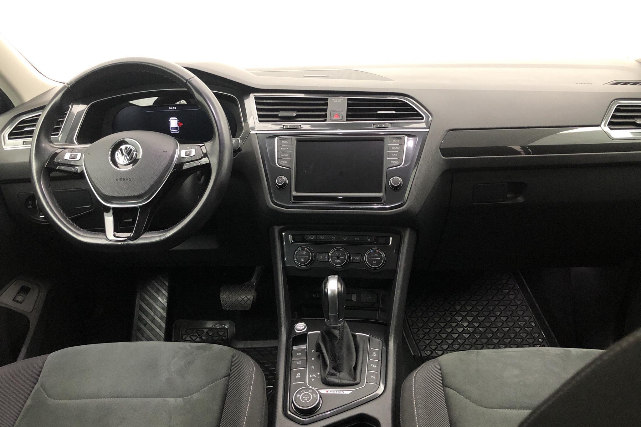 VW Tiguan 2.0 TDI 4MOTION (190hk) - 9 140 mil - Automat - silver - 2016