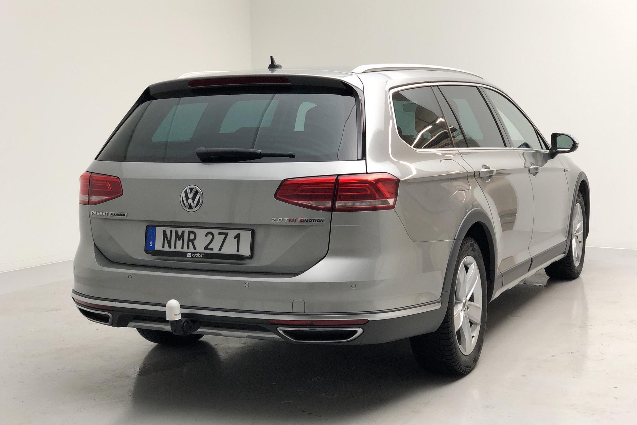 VW Passat Alltrack 2.0 TDI Sportscombi 4MOTION (190hk) - 17 526 mil - Automat - silver - 2017