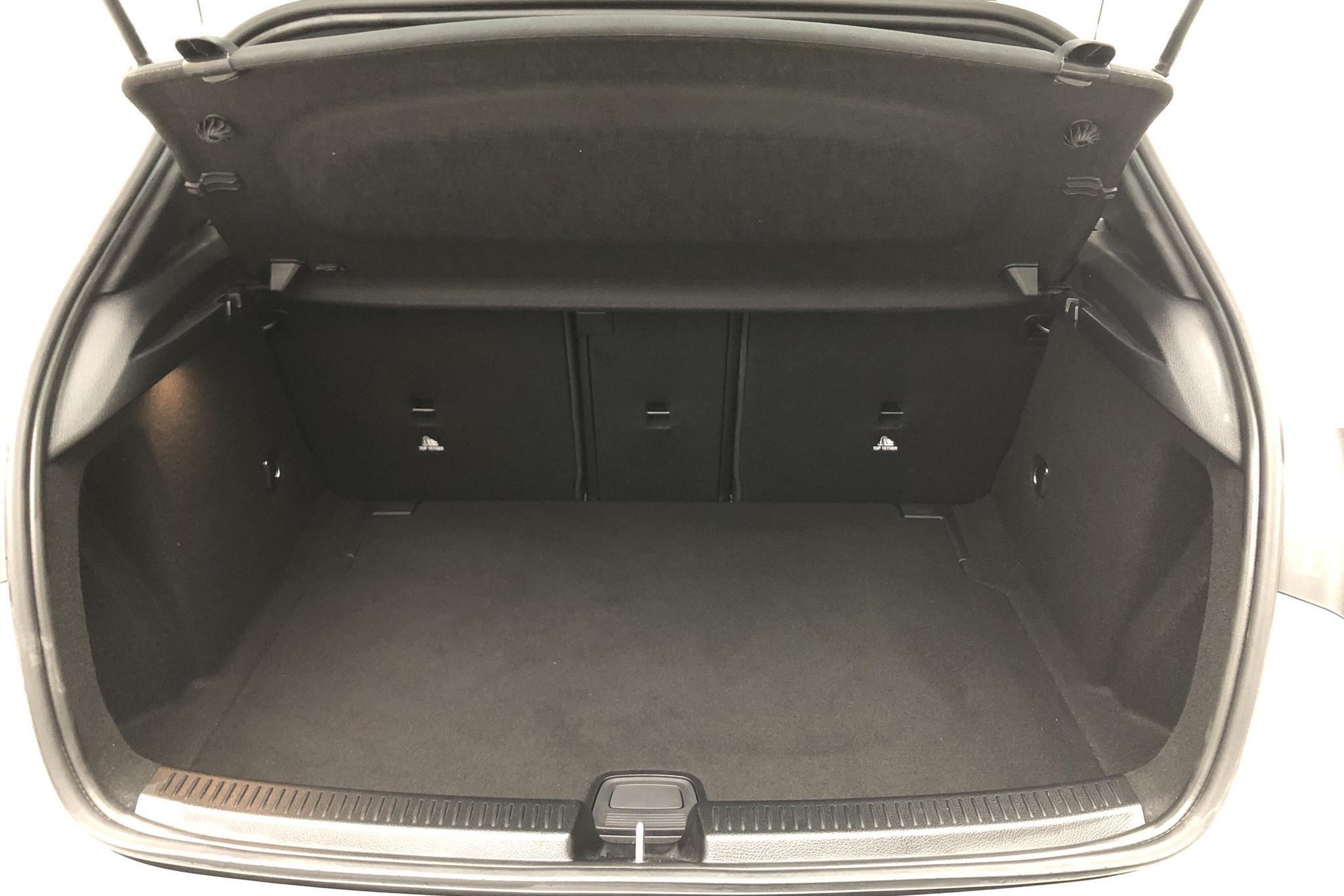 Mercedes A 200 5dr W177 (163hk) - 960 mil - Automat - silver - 2018