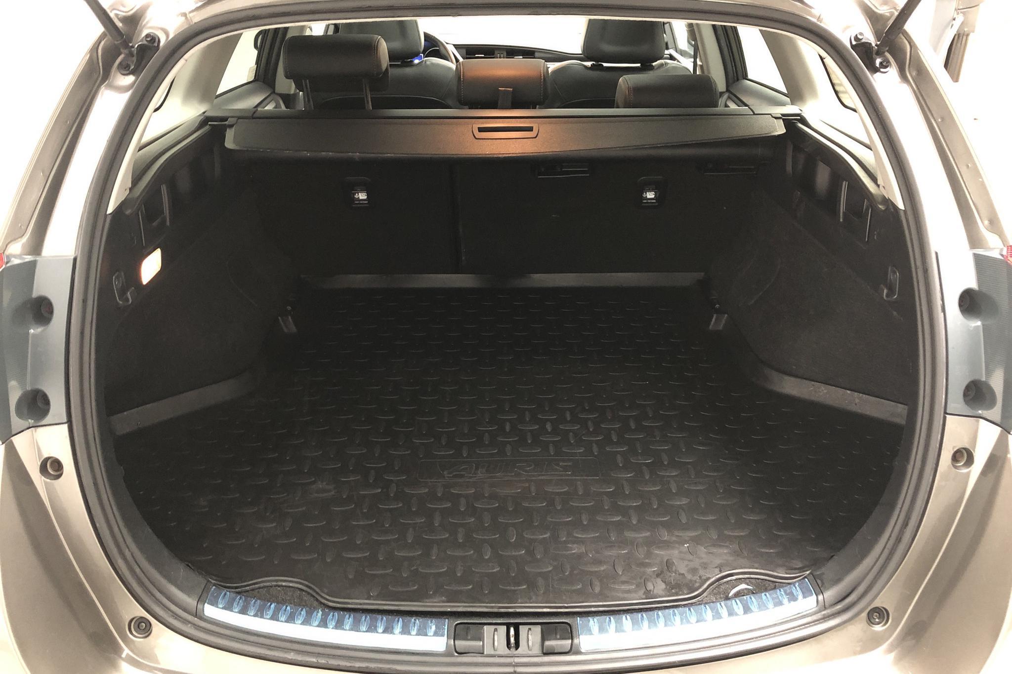 Toyota Auris 1.8 HSD Touring Sports (99hk) - 7 057 mil - Automat - Dark Grey - 2018