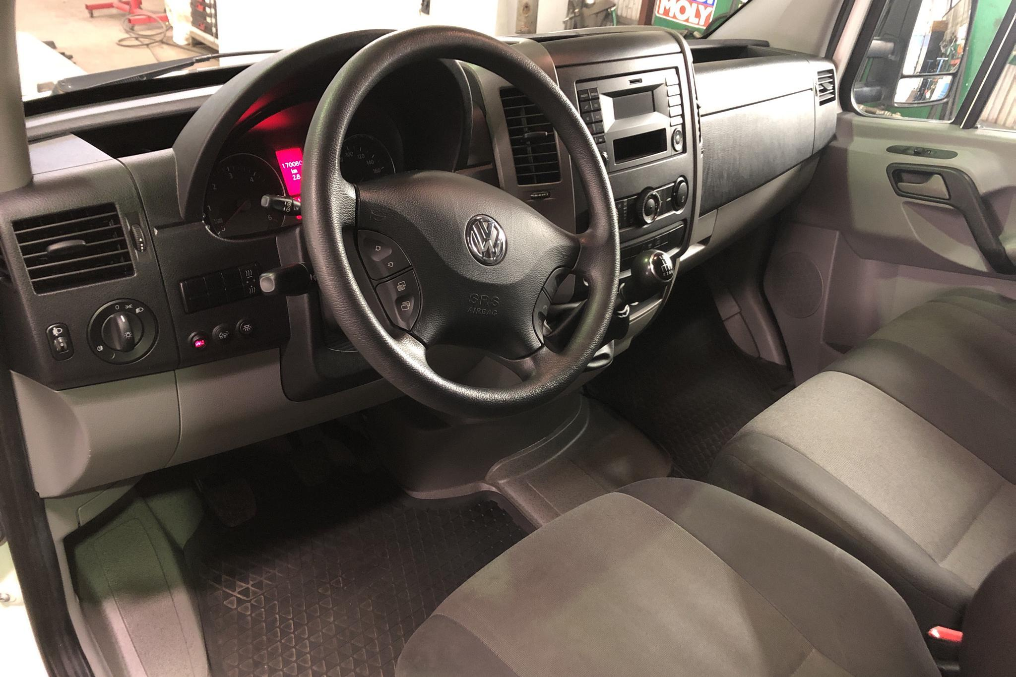 VW Crafter 35 2.0 TDI Volymskåp (163hk) - 170 080 km - Manual - white - 2016