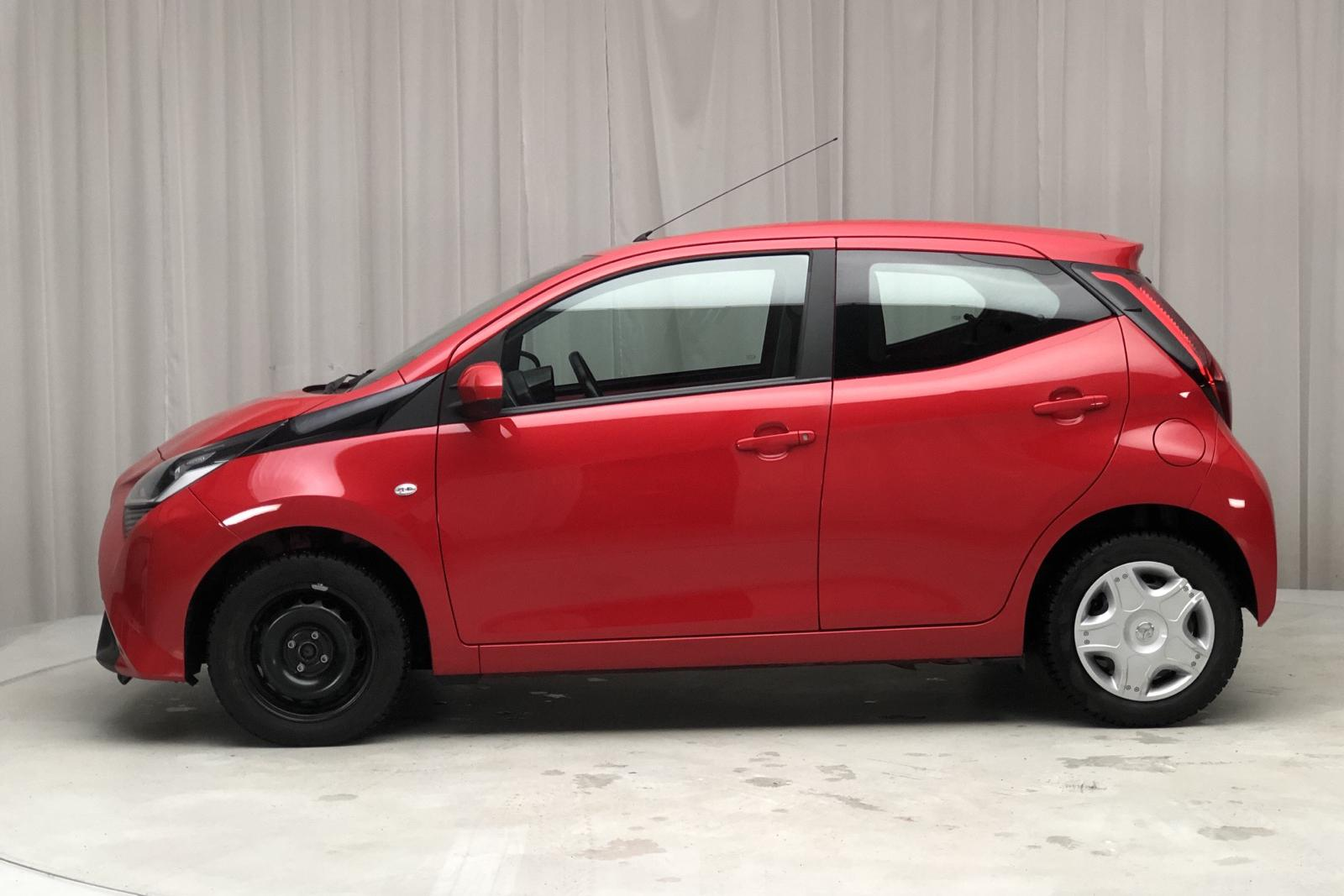 Toyota Aygo 1.0 5dr (72hk) - 60 170 km - Manual - red - 2019