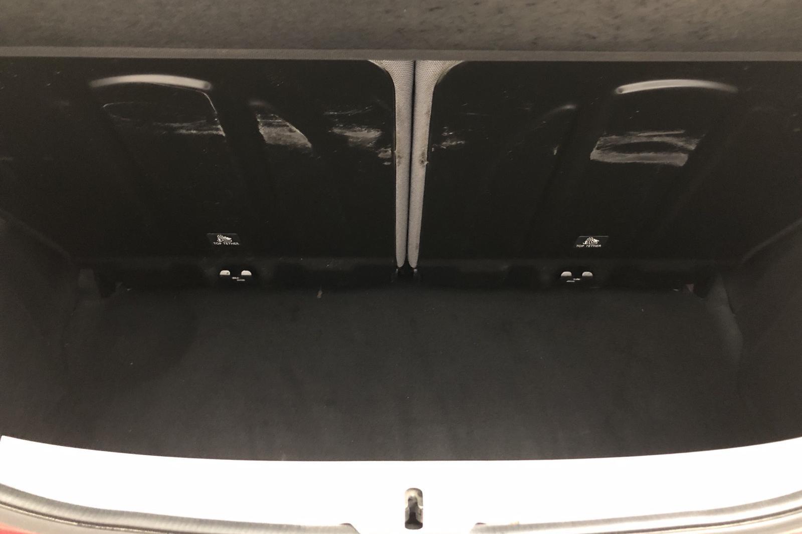 Toyota Aygo 1.0 5dr (72hk) - 5 618 mil - Automat - röd - 2019