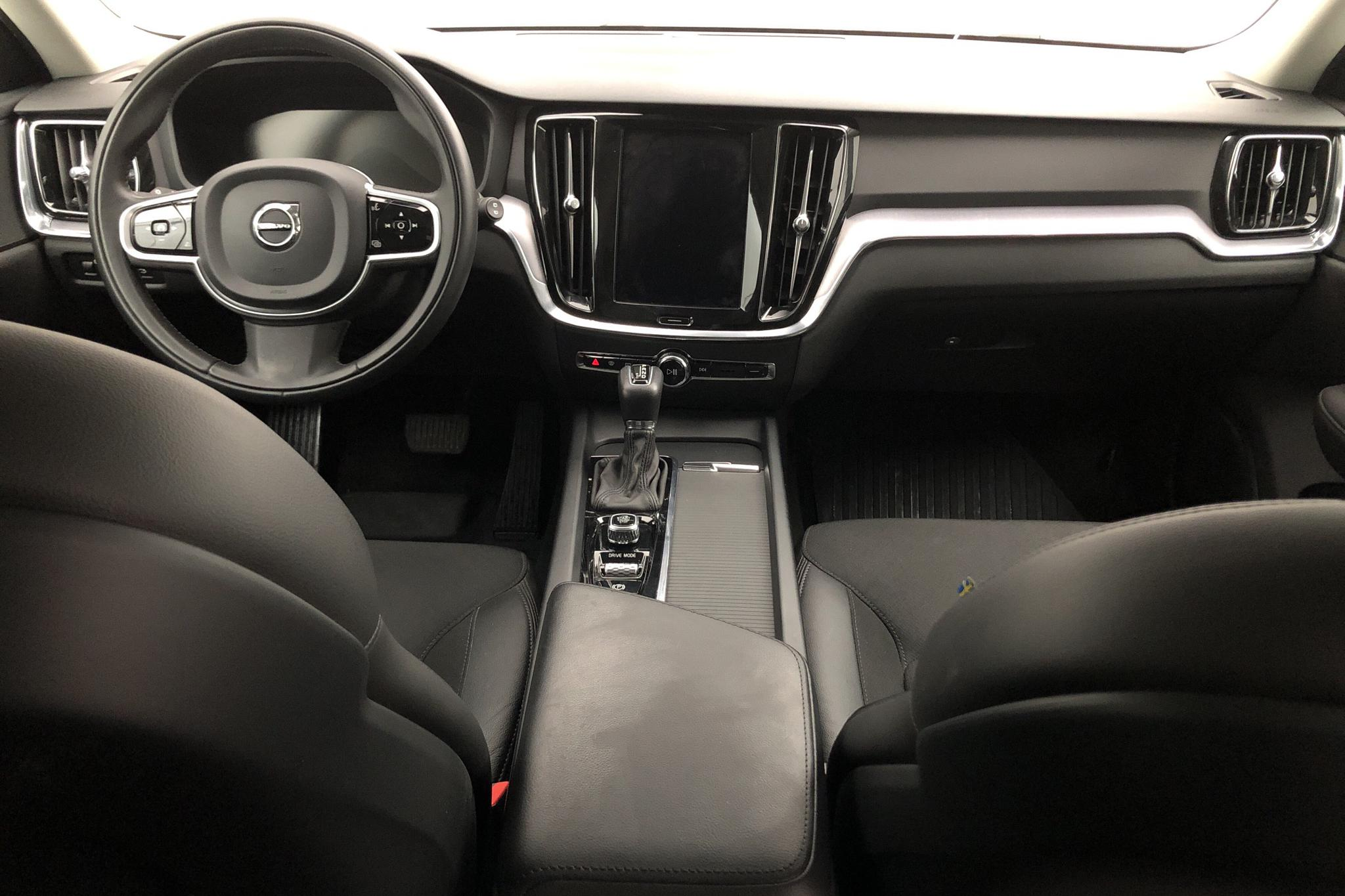 Volvo V60 D4 AWD (190hk) - 3 385 mil - Automat - grå - 2020