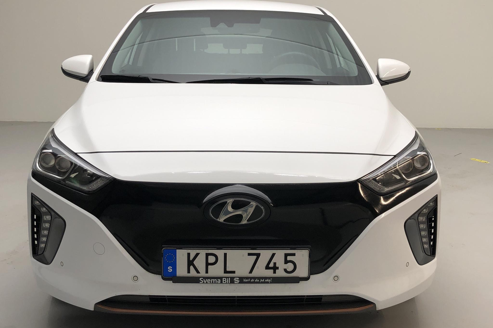 Hyundai IONIQ Electric (120hk) - 15 420 km - Automatic - white - 2019