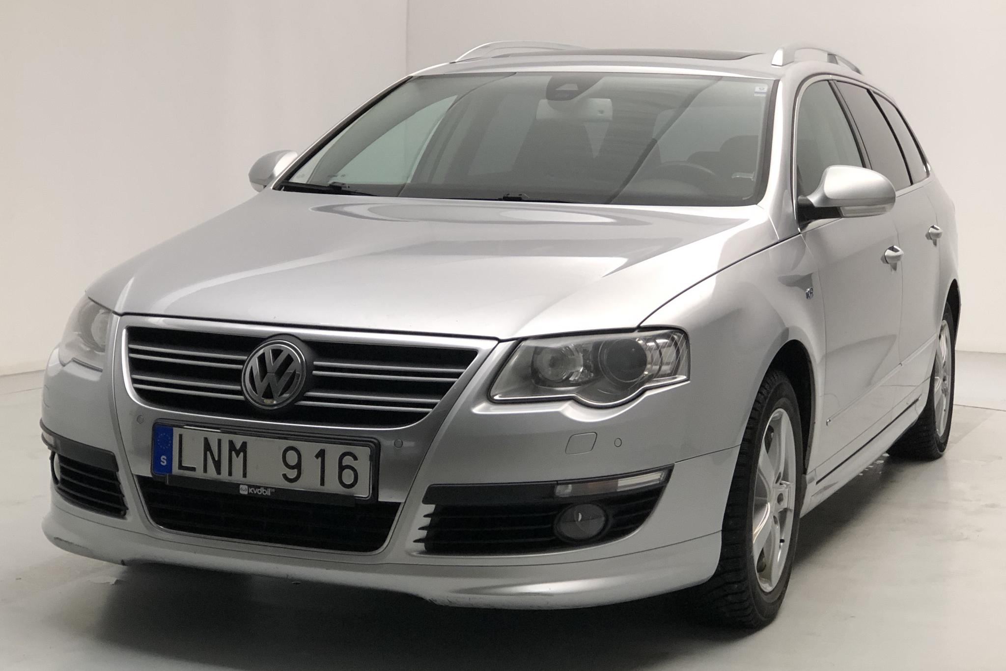 VW Passat 1.4 TSI EcoFuel Variant (150hk) - 169 470 km - Automatic - silver - 2010