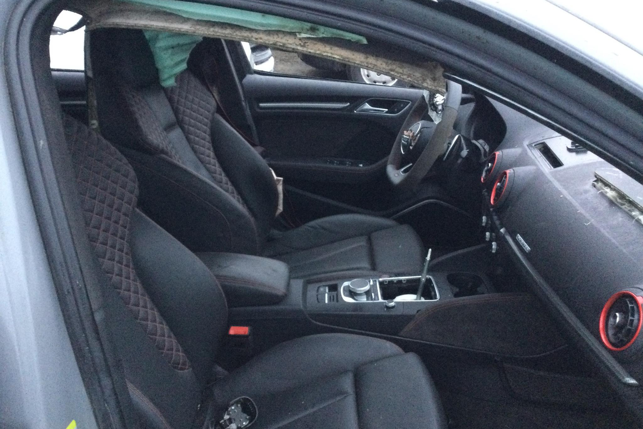 Audi RS3 2.5 TFSI Sportback quattro (400hk) - 1 300 mil - Automat - grå - 2018