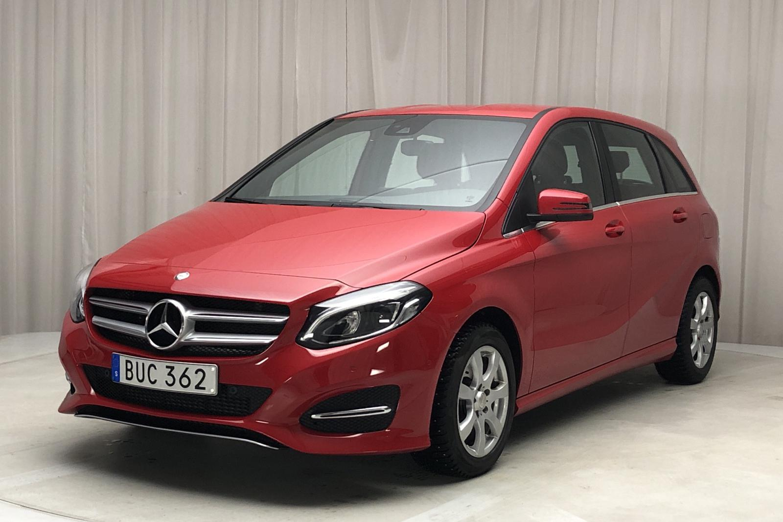 Mercedes B 200 d W246 (136hk) - 73 270 km - Manual - red - 2017