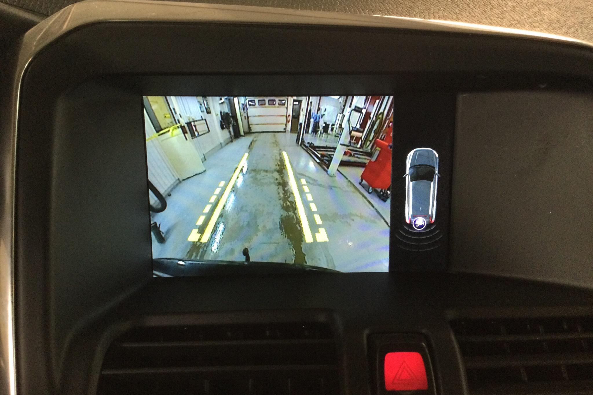 Volvo XC60 D4 AWD (190hk) - 8 857 mil - Automat - svart - 2017