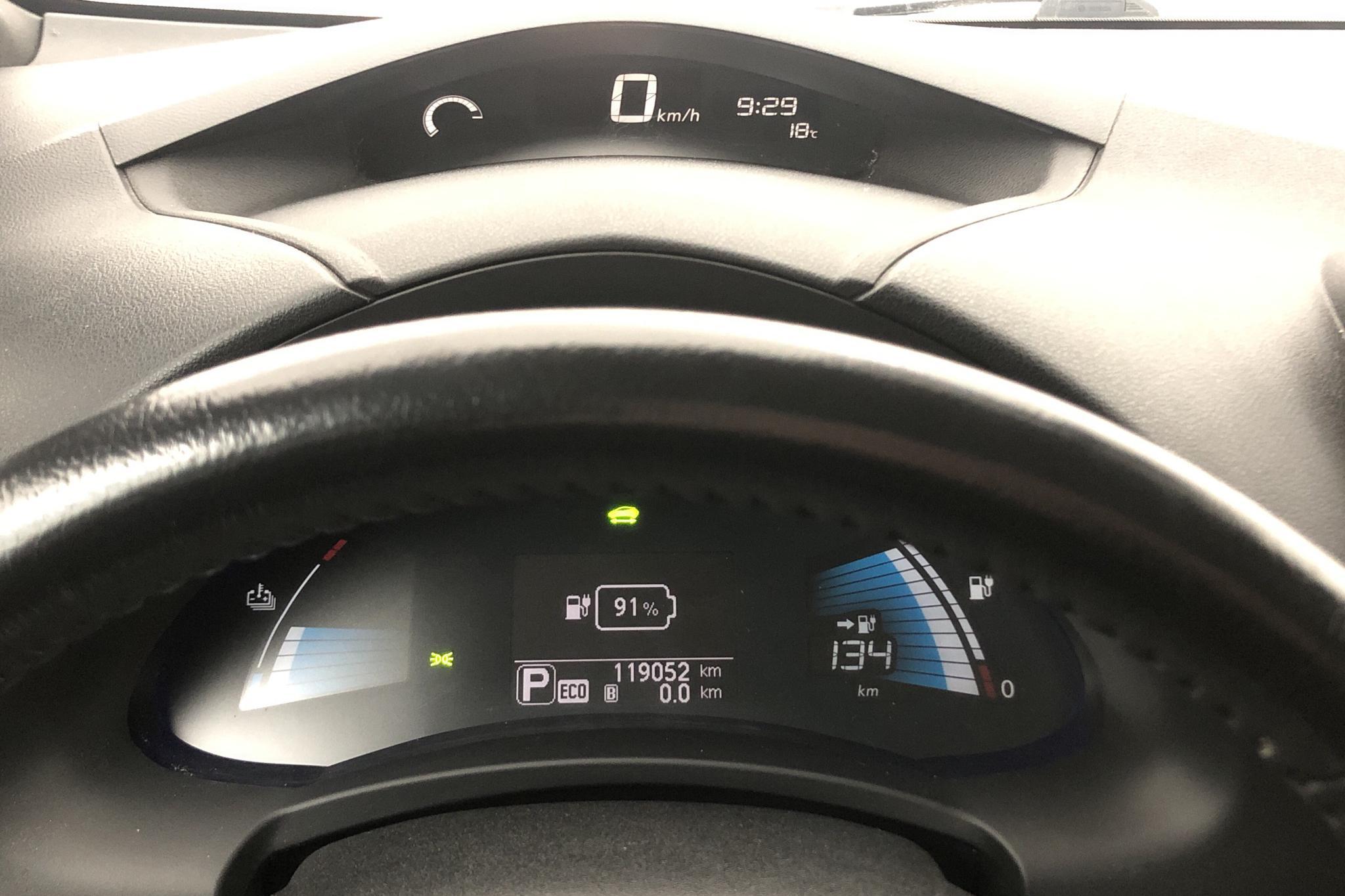 Nissan LEAF 5dr (109hk) - 119 050 km - Automatic - black - 2015