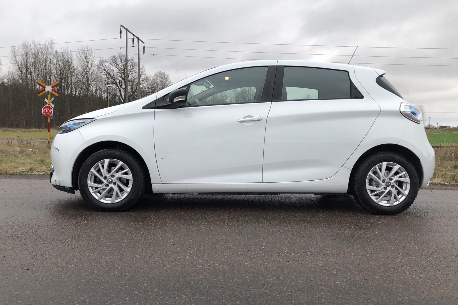 Renault Zoe 41 kWh R90 (92hk) - 7 278 mil - Automat - vit - 2019
