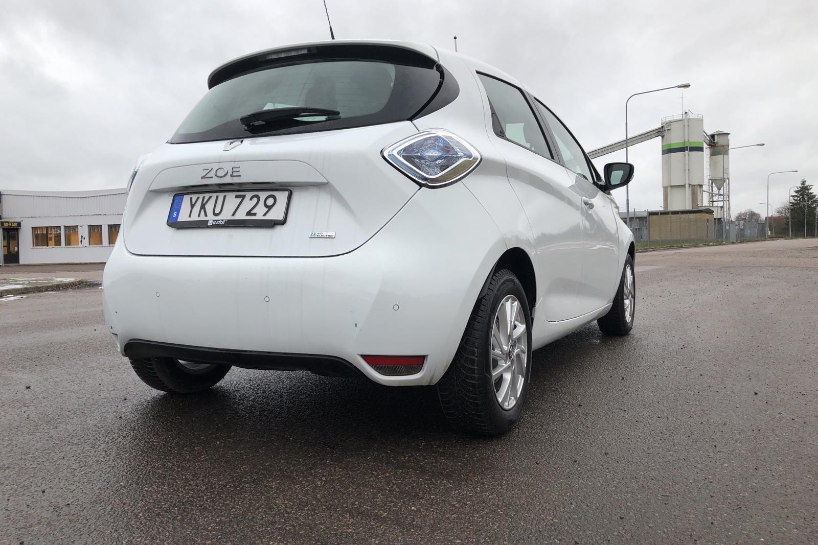 Renault Zoe 41 kWh R90 (92hk) - 72 780 km - Automatic - white - 2019