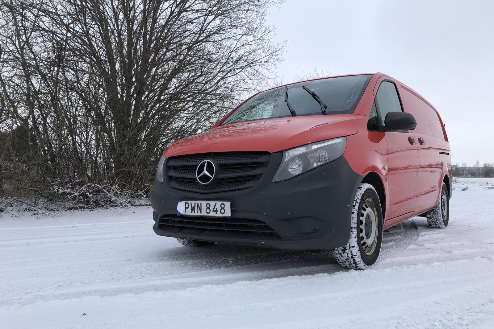 Mercedes Vito 111 CDI W640 (114hk) - 19 470 mil - Manuell - röd - 2015