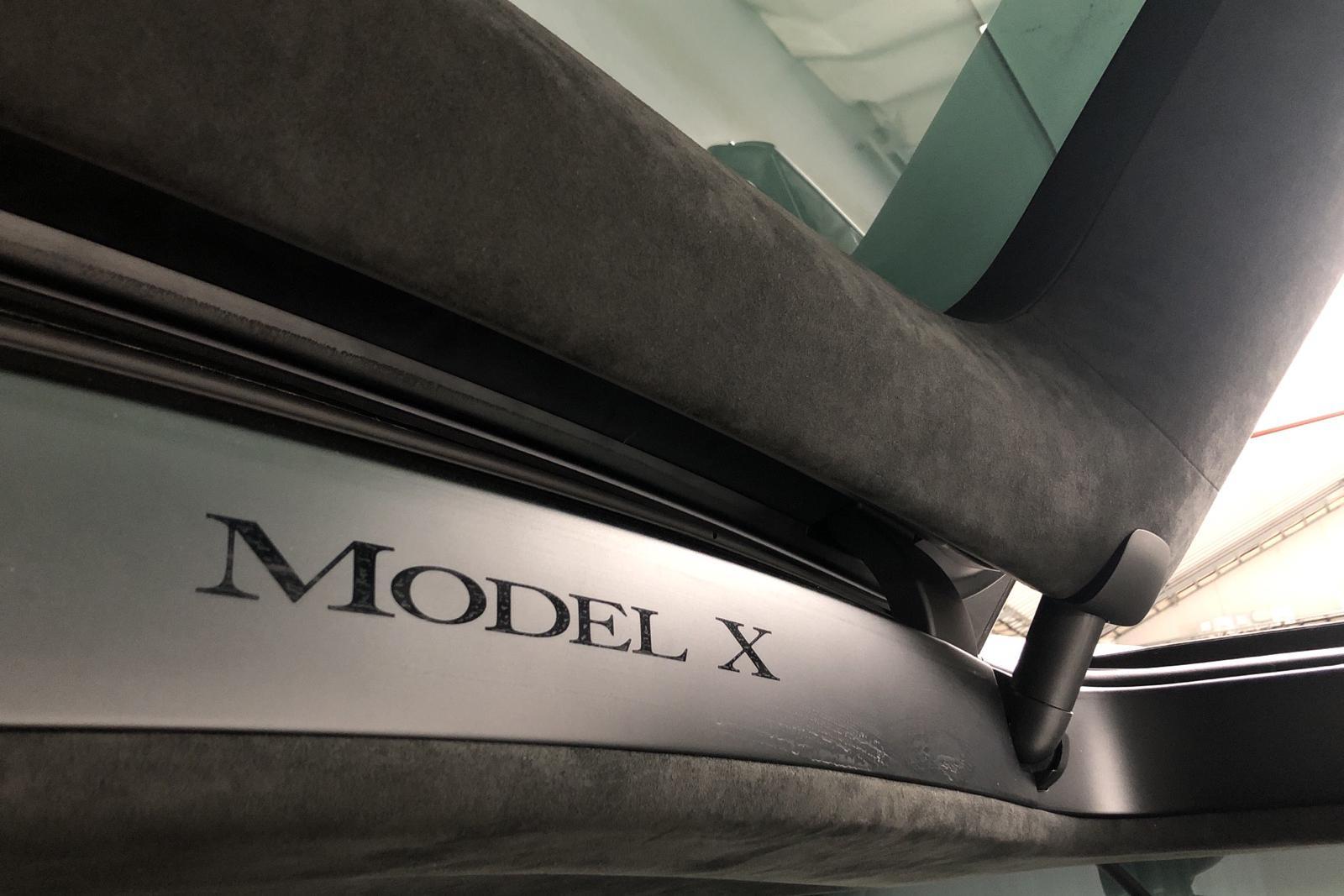Tesla Model X 75D - 97 310 km - Automatic - black - 2017