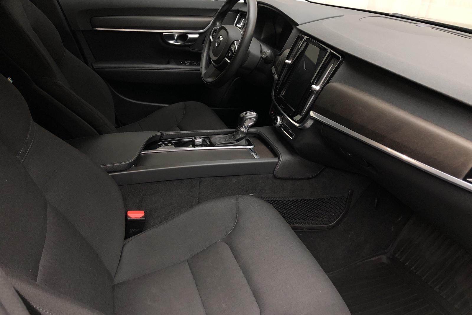 Volvo V90 D4 Cross Country AWD (190hk) - 34 320 km - Automatic - black - 2019