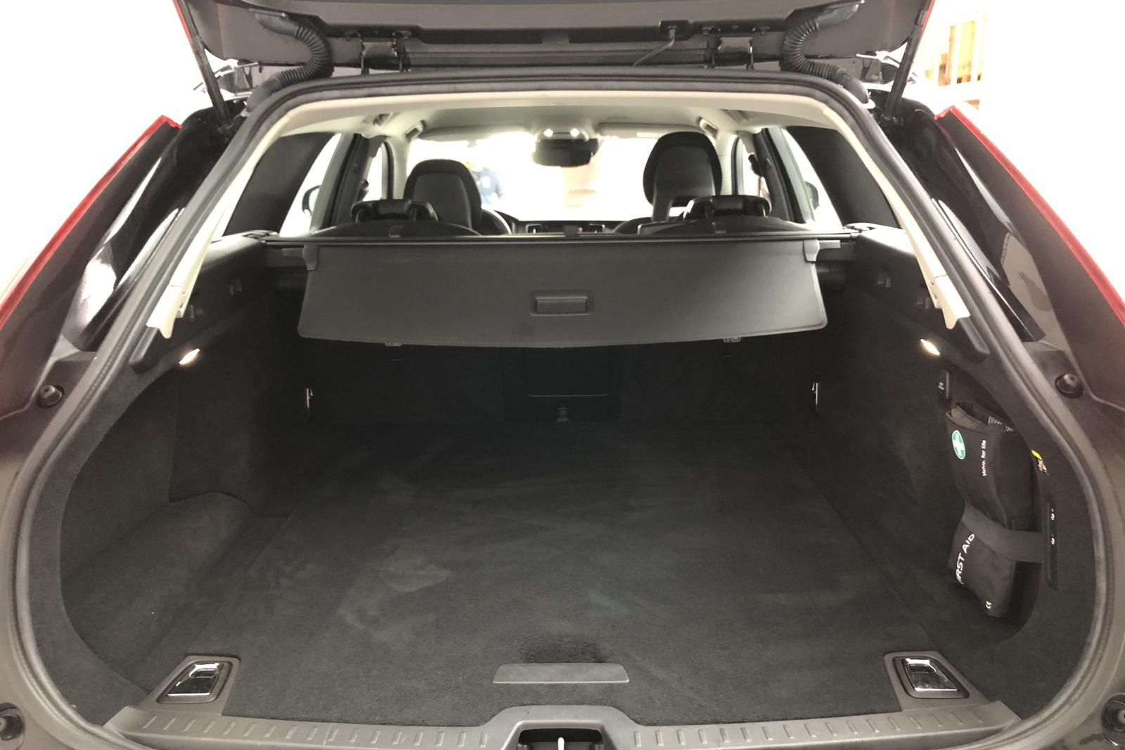 Volvo V90 D4 Cross Country AWD (190hk) - 45 570 km - Automatic - black - 2017