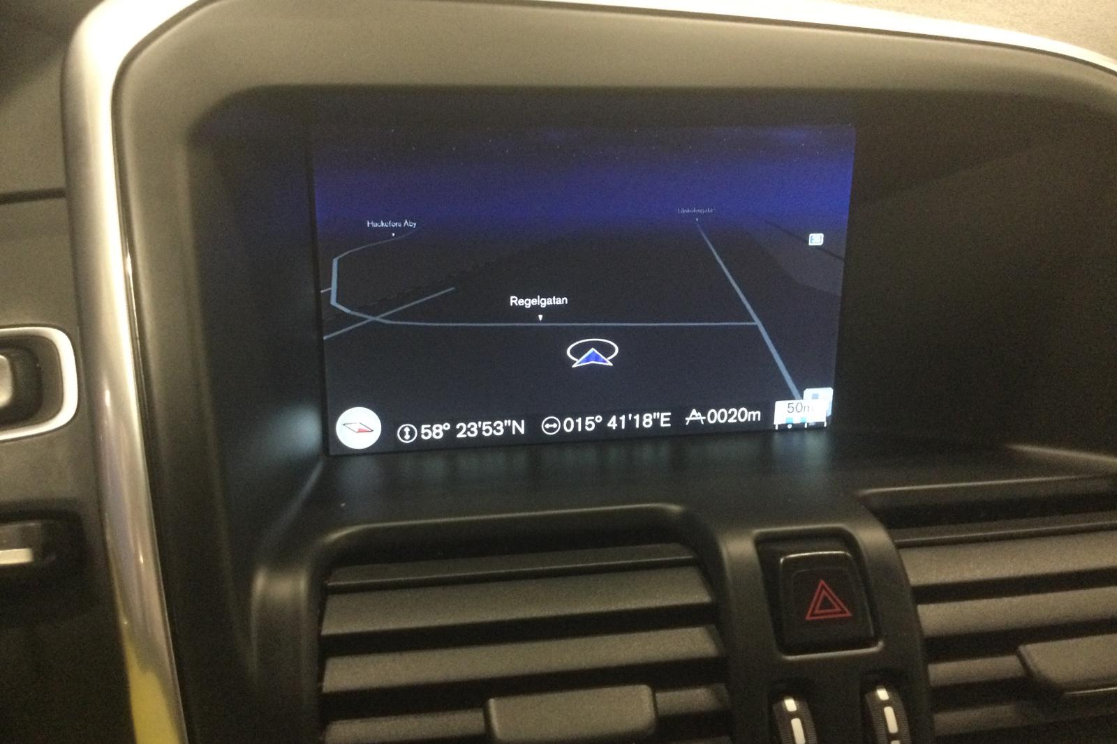 Volvo XC60 D4 AWD (181hk) - 9 767 mil - Manuell - vit - 2014