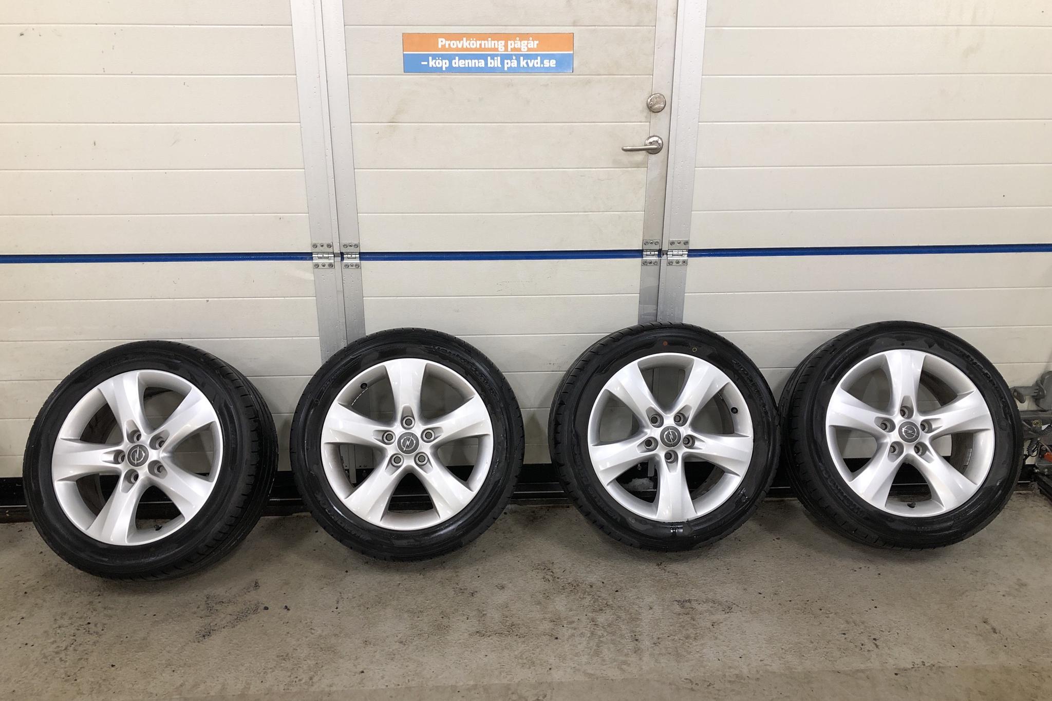 Opel Zafira Tourer 2.0 ECOTEC (165hk) - 15 021 mil - Manuell - vit - 2014