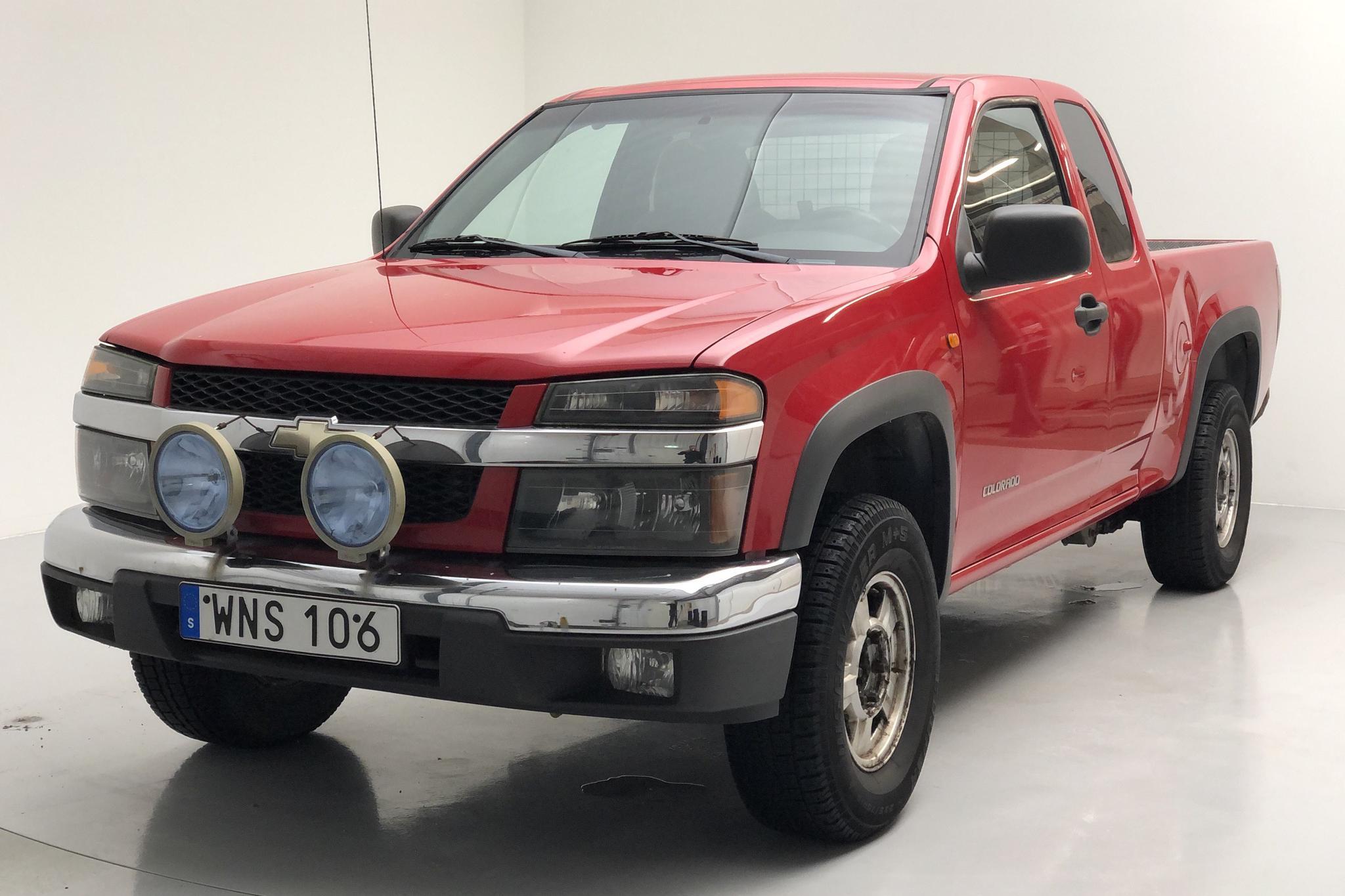 Chevrolet Colorado 3.5 4WD (220hk) - 8 672 mil - Automat - röd - 2005