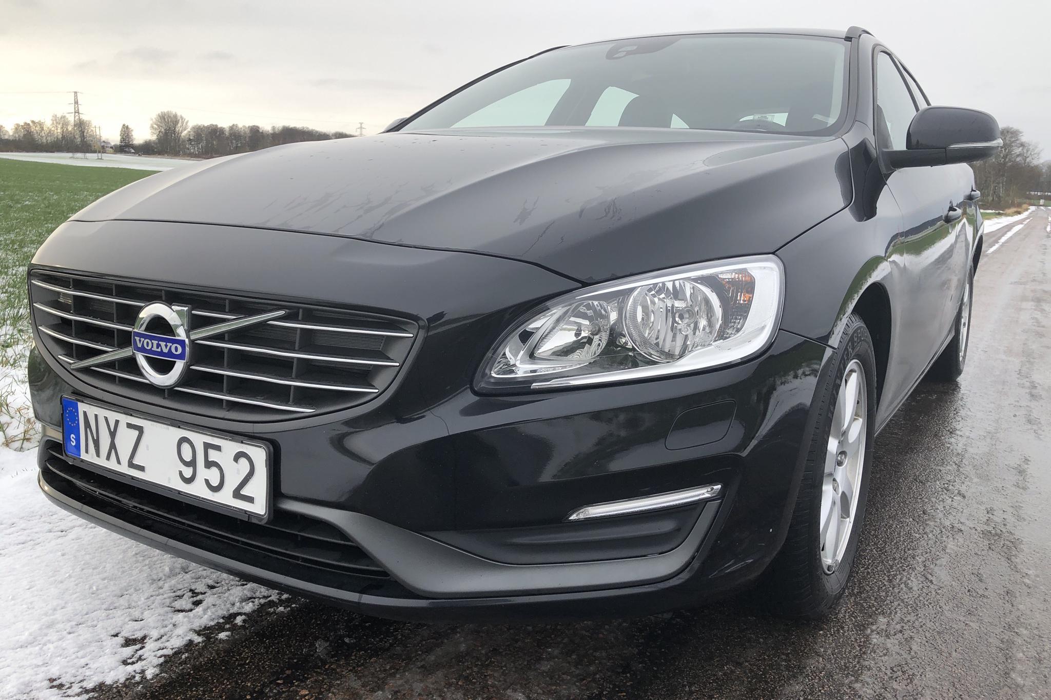Volvo V60 D2 (115hk) - 128 930 km - Manual - black - 2014