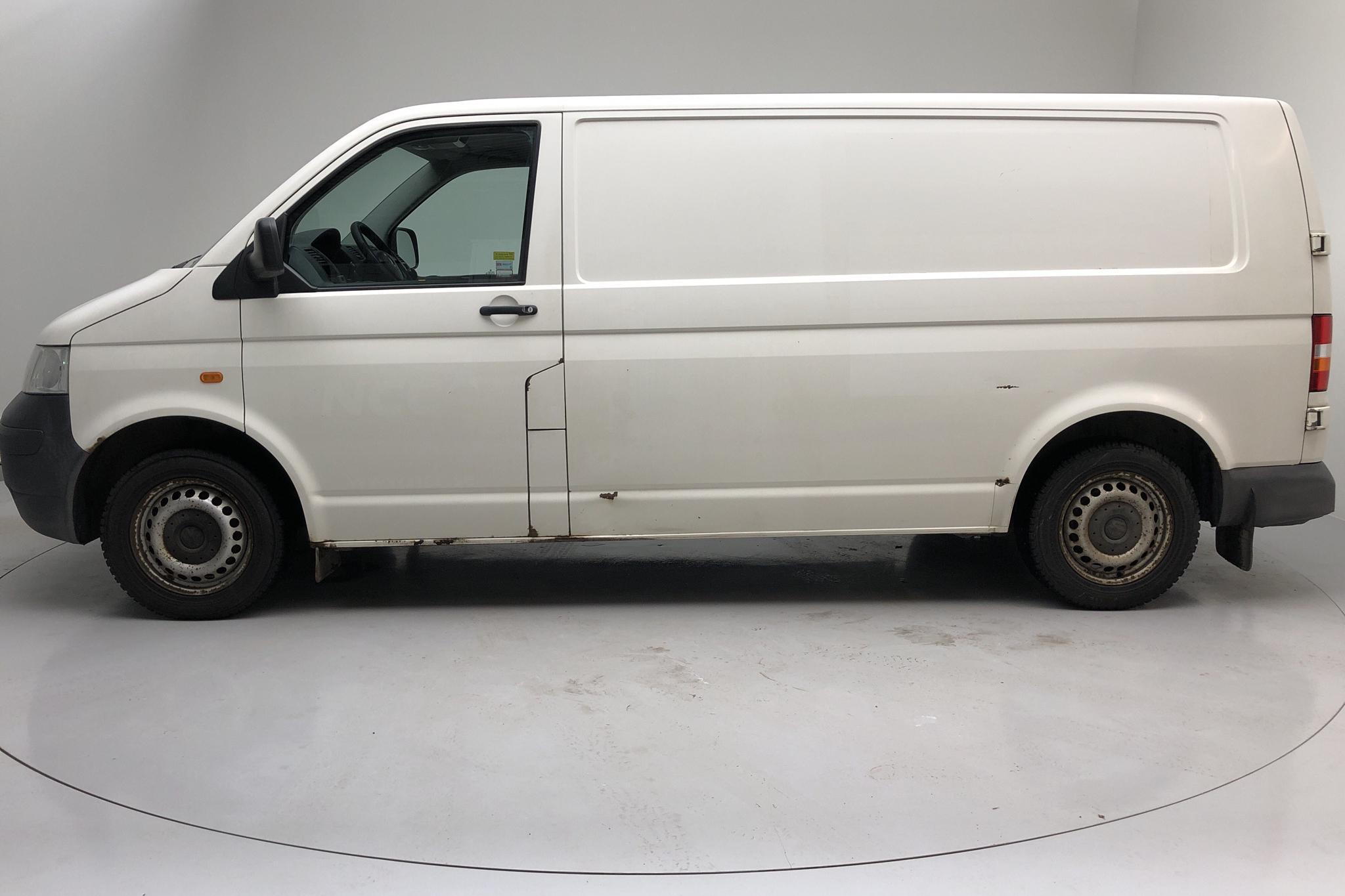 VW Transporter T5 2.5 TDI (130hk) - 150 800 km - Manual - white - 2008