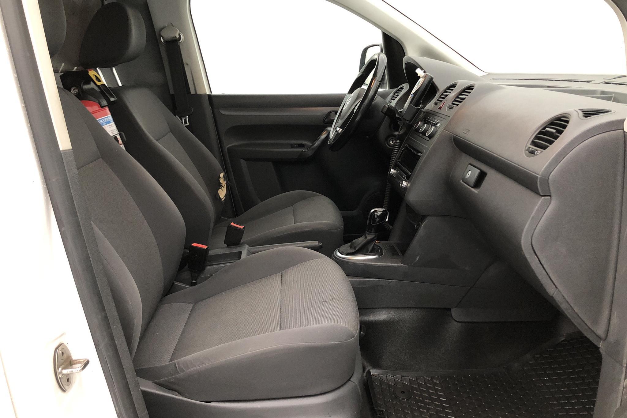 VW Caddy 1.6 TDI Maxi Skåp (102hk) - 65 100 km - Automatic - white - 2015