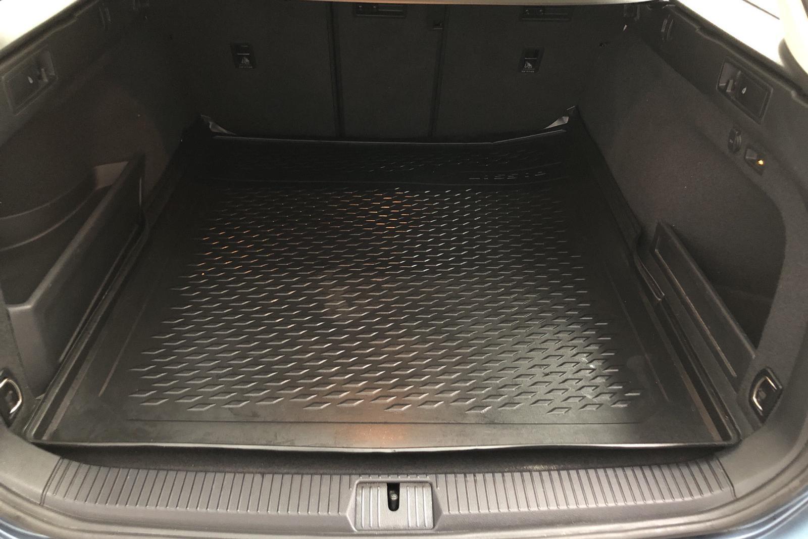 VW Passat 1.4 Plug-in-Hybrid Sportscombi (218hk) - 12 100 mil - Automat - blå - 2018