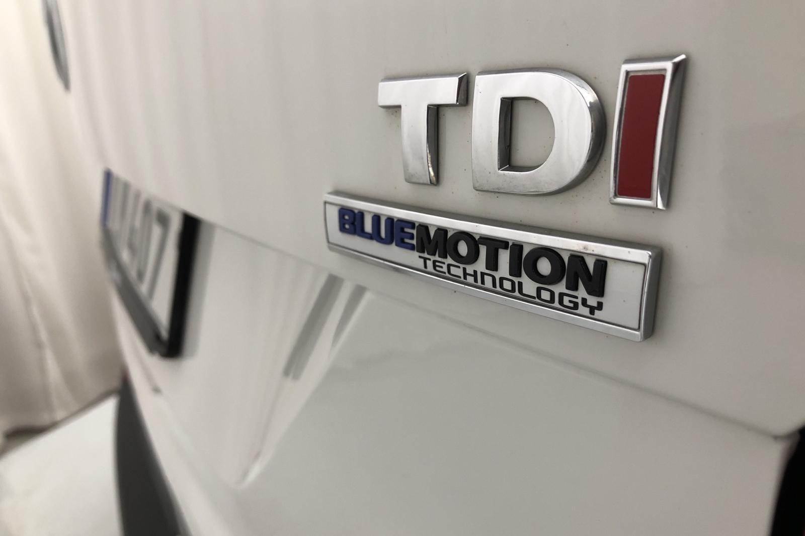 VW Transporter T6 2.0 TDI BMT Skåp (150hk) - 8 251 mil - Manuell - vit - 2016