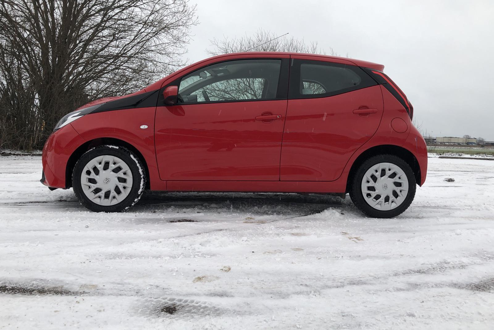 Toyota Aygo 1.0 5dr (72hk) - 44 640 km - Manual - red - 2019