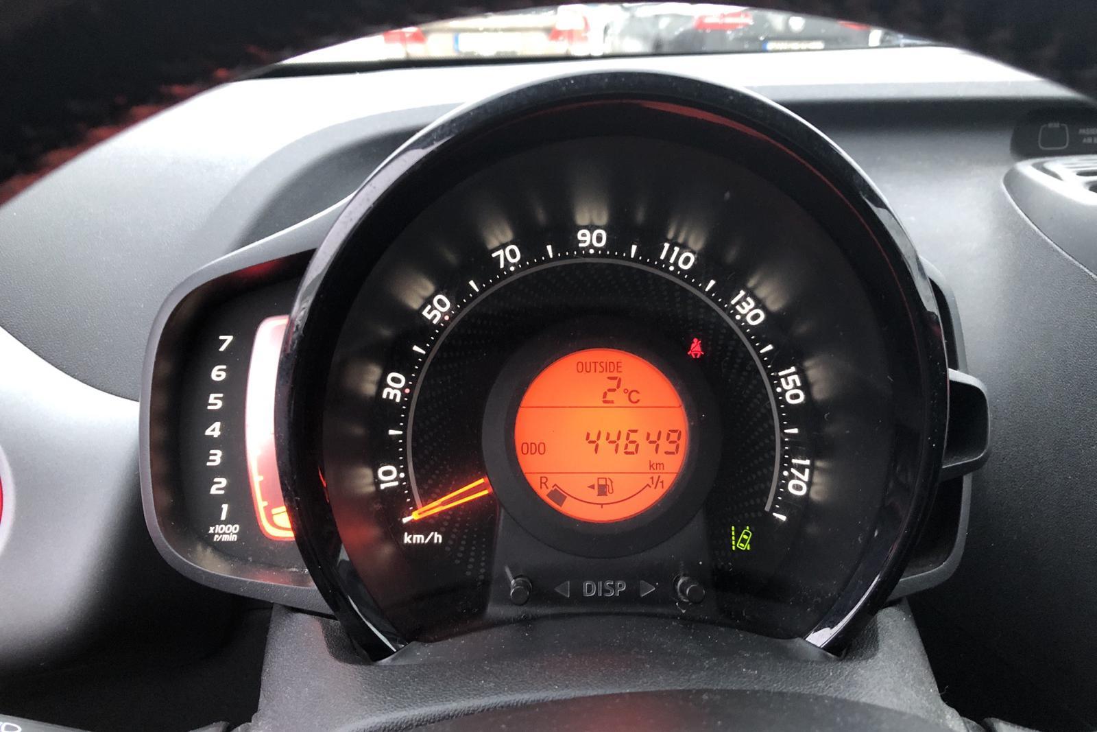 Toyota Aygo 1.0 5dr (72hk) - 4 464 mil - Manuell - röd - 2019