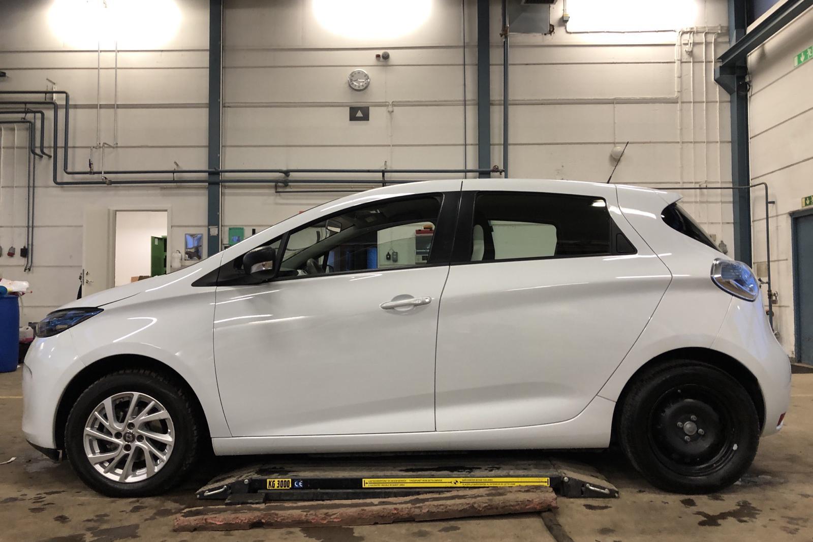 Renault Zoe 41 kWh R90 (92hk) - 7 656 mil - Automat - vit - 2019