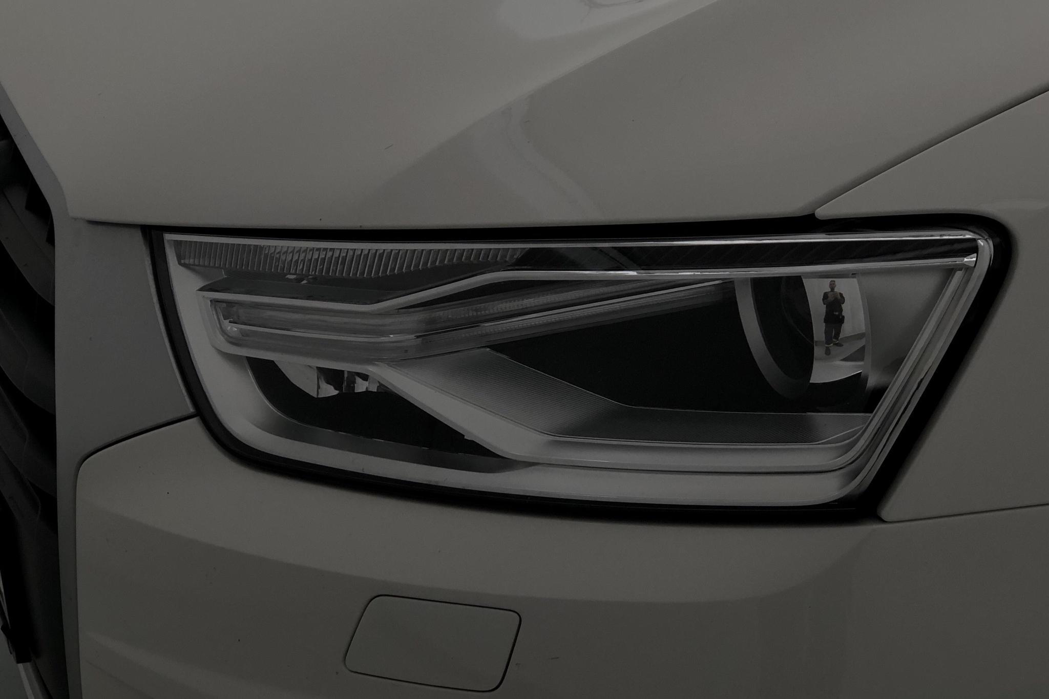 Audi Q3 2.0 TDI (150hk) - 92 190 km - Automatic - white - 2017