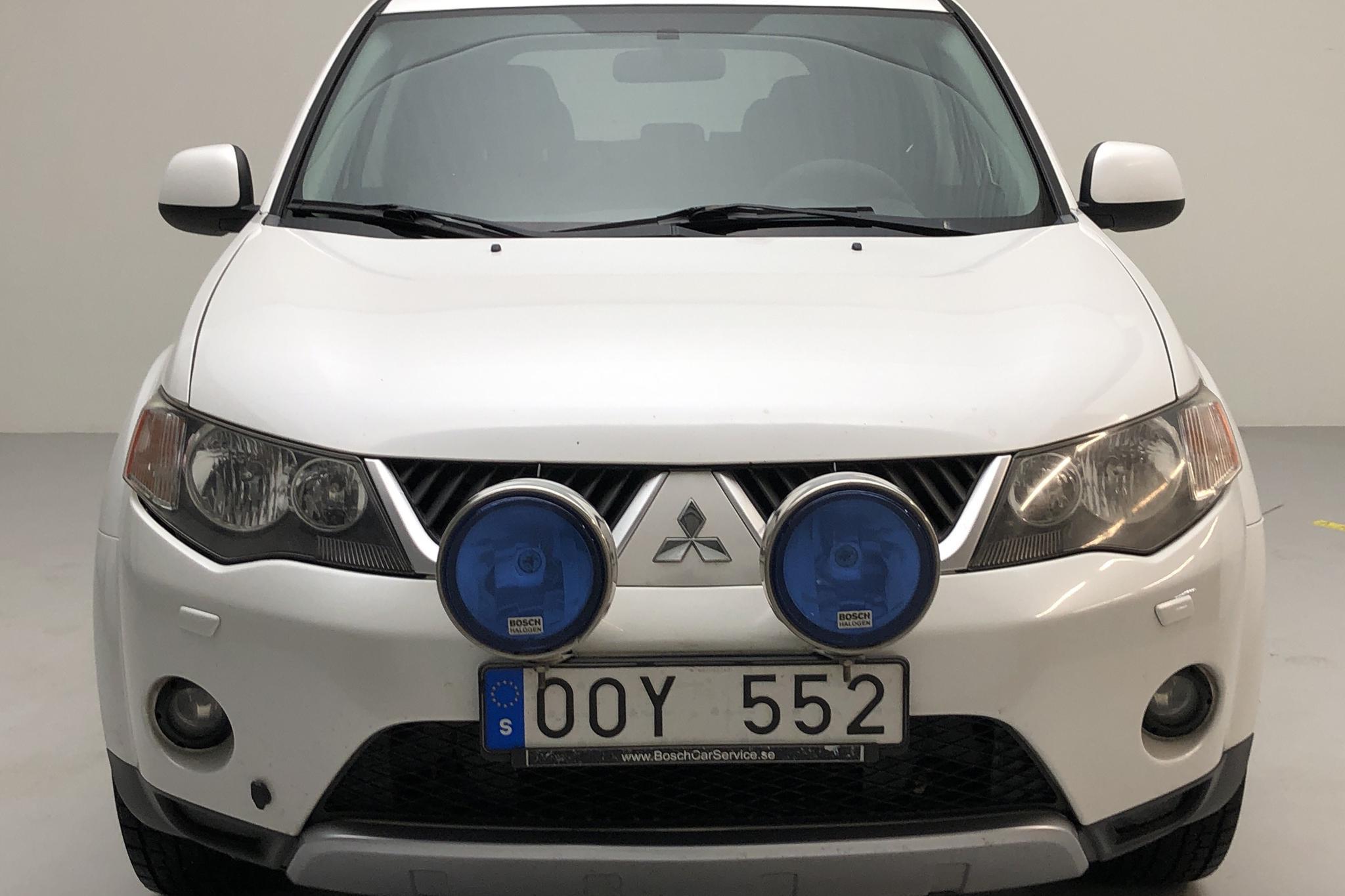 Mitsubishi Outlander 2.2 Di-D (156hk) - 271 120 km - Manual - white - 2008