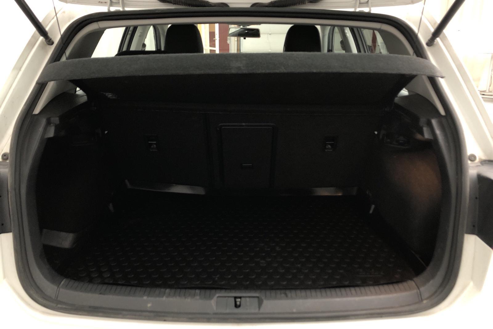 VW Golf VII 1.6 TDI BlueMotion 5dr 4Motion (110hk) - 124 980 km - Manual - white - 2016