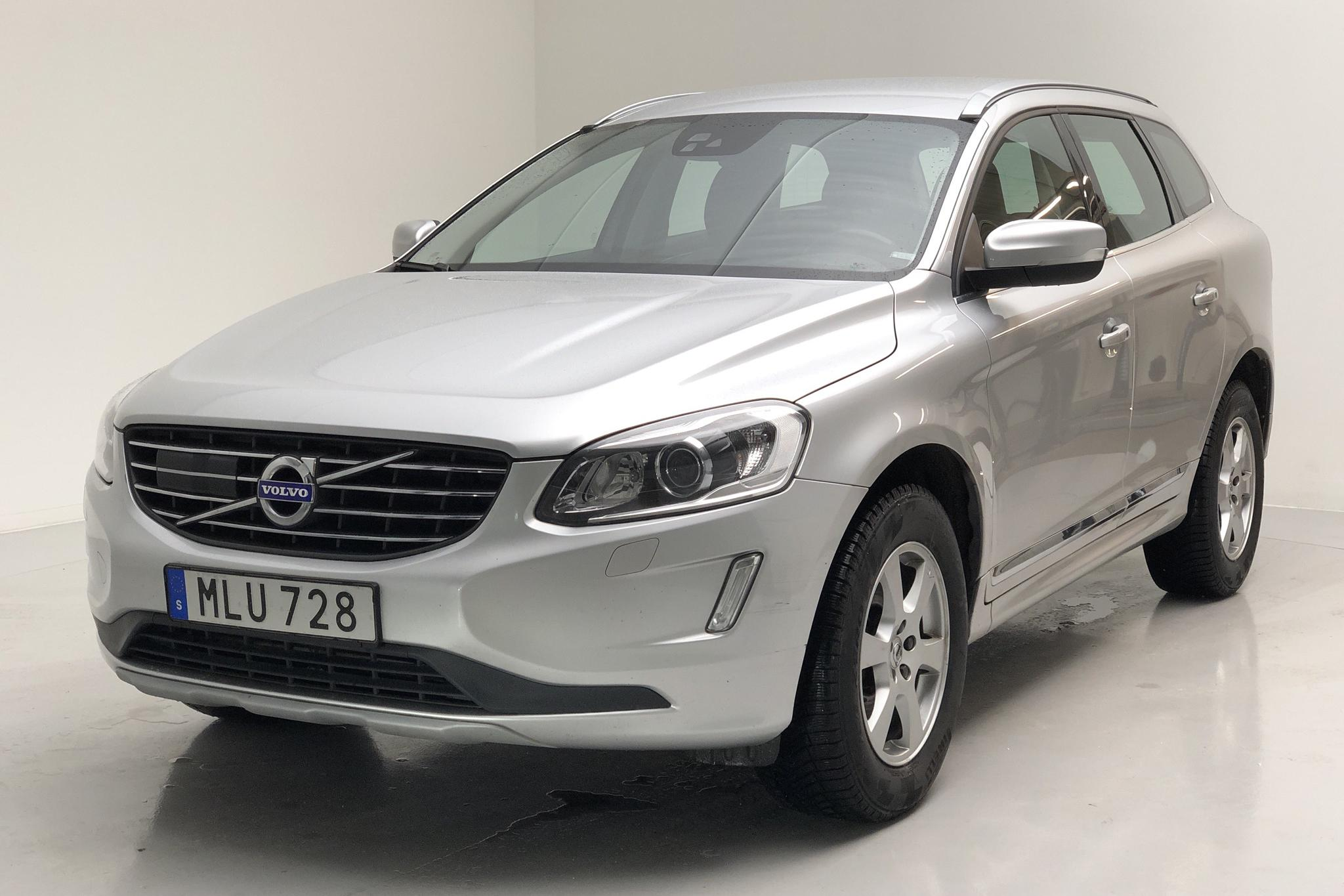 Volvo XC60 D4 AWD (190hk) - 14 903 mil - Automat - silver - 2017