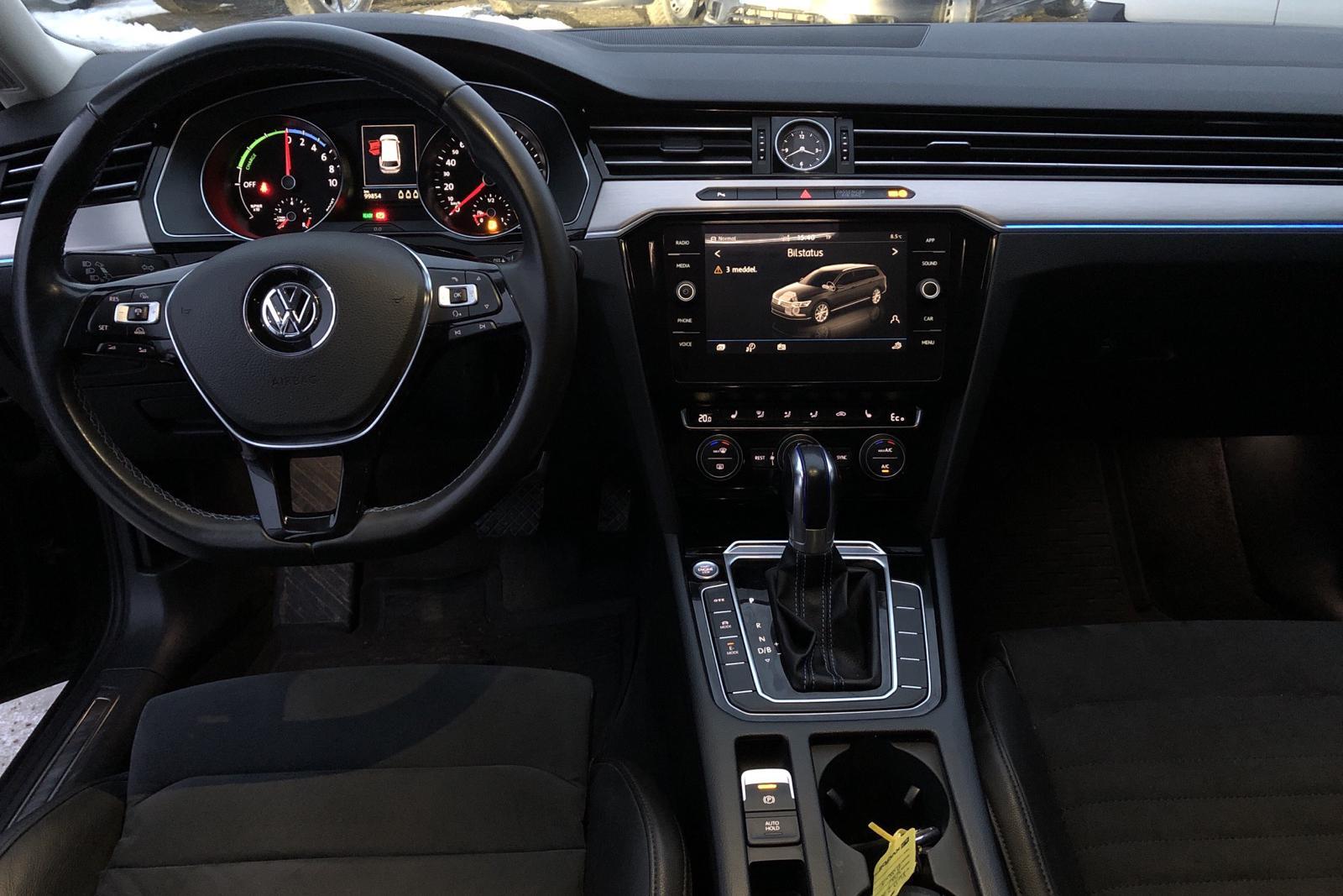 VW Passat 1.4 Plug-in-Hybrid Sportscombi (218hk) - 99 850 km - Automatic - Dark Grey - 2018