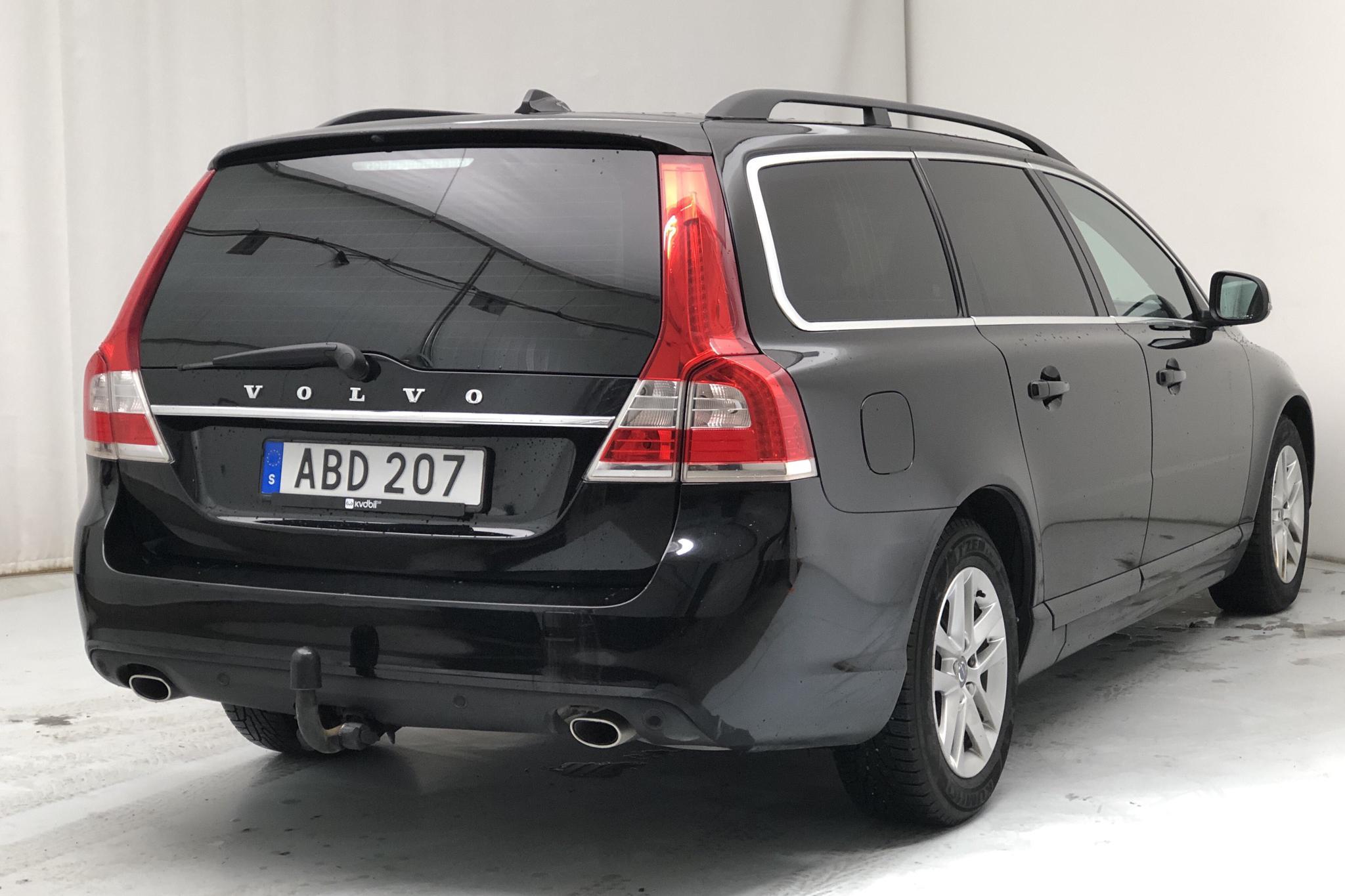 Volvo V70 II D4 (181hk) - 13 358 mil - Manuell - svart - 2016