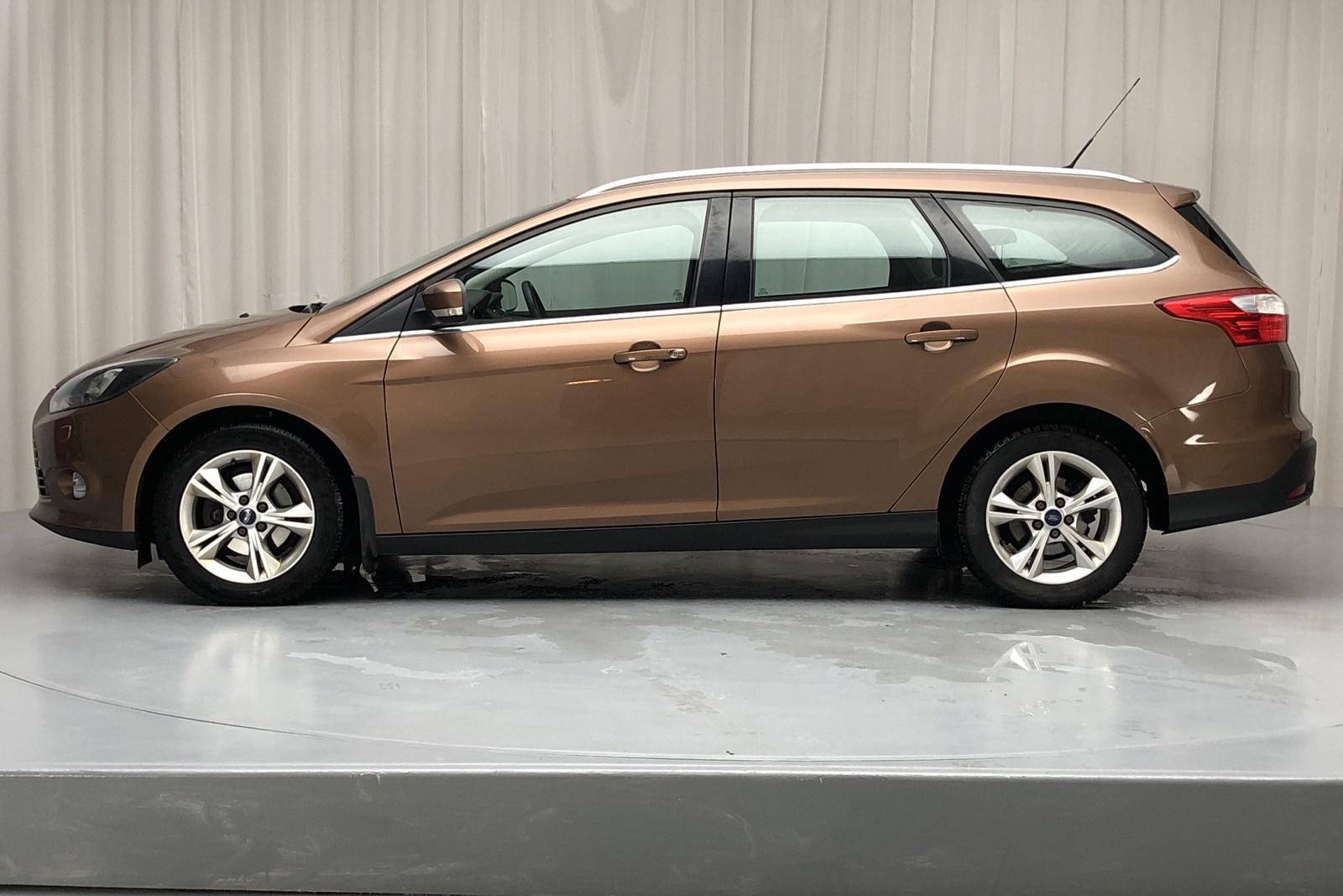 Ford Focus 1.6 TDCi Kombi (115hk) - 14 363 mil - Manuell - brun - 2013