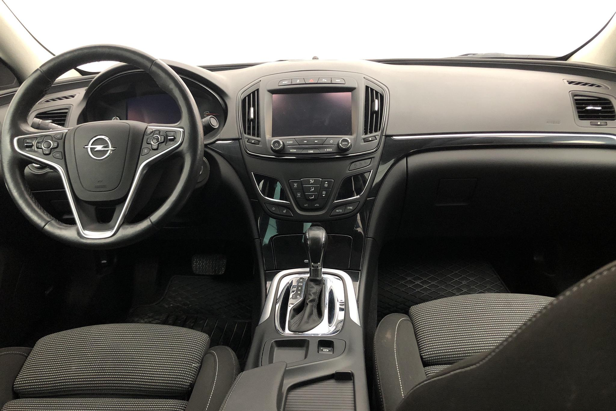 Opel Insignia 2.0 CDTI ECOTEC 4x4 5dr (170hk) - 62 950 km - Automatic - red - 2016