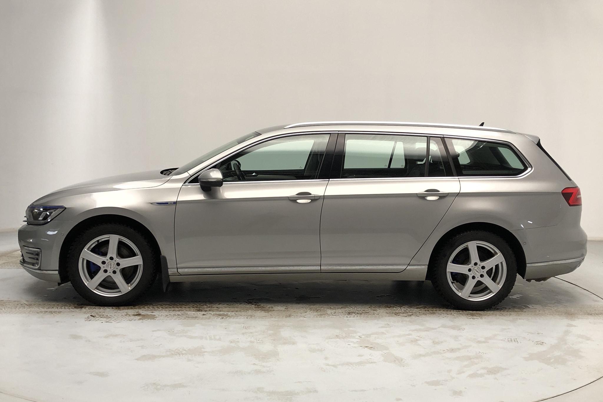 VW Passat 1.4 Plug-in-Hybrid Sportscombi (218hk) - 105 070 km - Automatic - silver - 2016