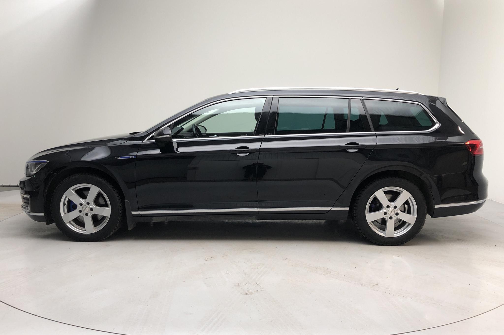 VW Passat 1.4 Plug-in-Hybrid Sportscombi (218hk) - 76 280 km - Automatic - black - 2016
