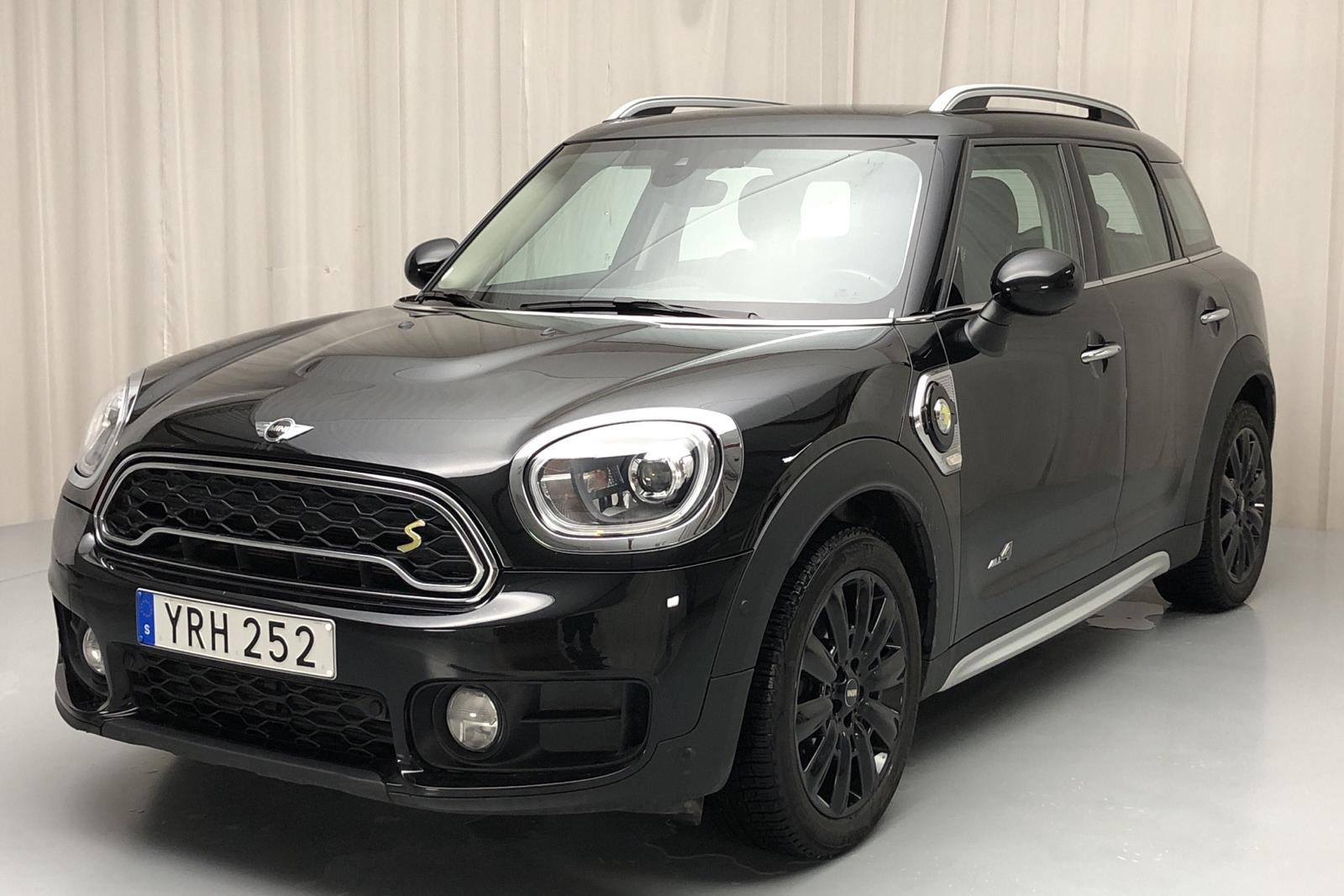 MINI Cooper S E ALL4 Countryman, F60 (224hk) - 4 383 mil - Automat - svart - 2017