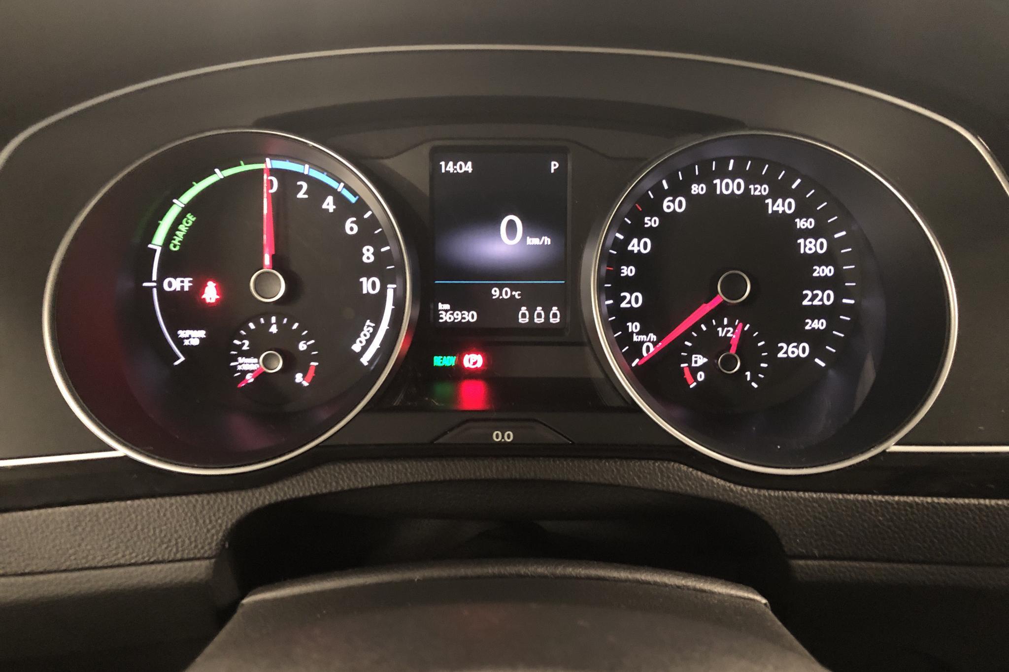 VW Passat 1.4 Plug-in-Hybrid (218hk) - 36 940 km - Automatic - silver - 2017