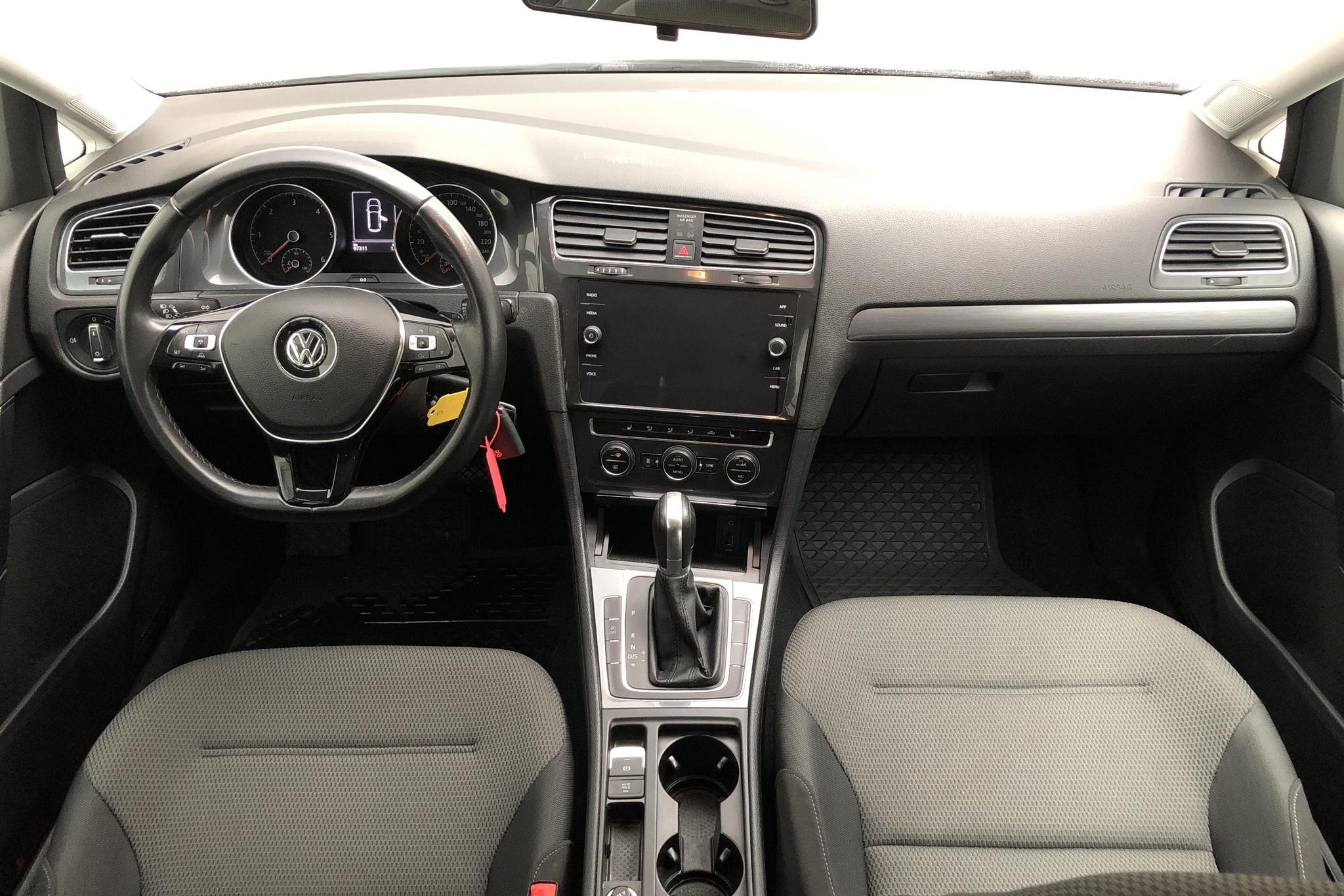 VW Golf VII 1.6 TDI Sportscombi (115hk) - 97 310 km - Automatic - white - 2018