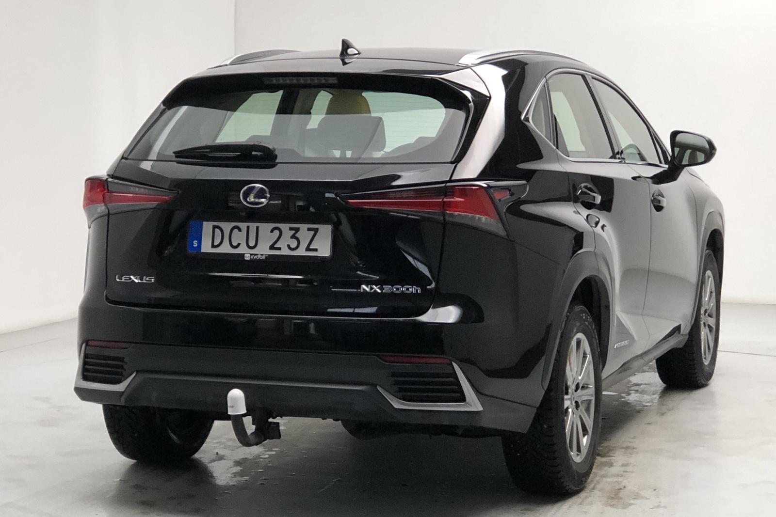 Lexus NX 300h (197hk) - 3 796 mil - Automat - svart - 2019
