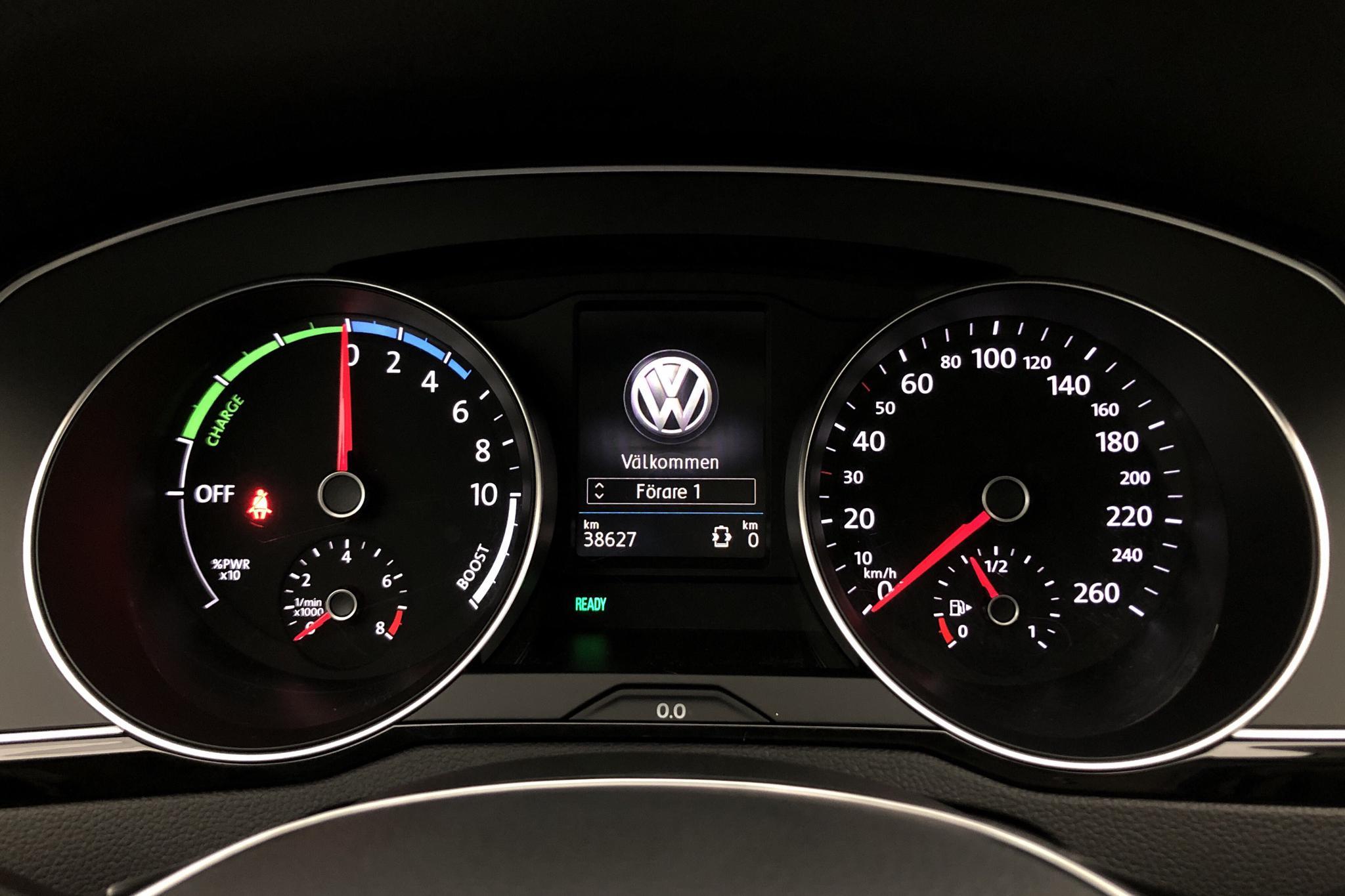 VW Passat 1.4 Plug-in-Hybrid Sportscombi (218hk) - 38 620 km - Automatic - white - 2017
